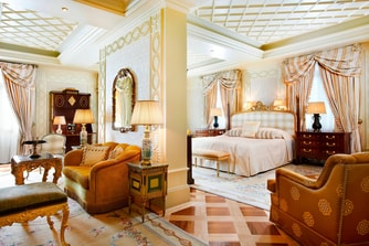 Royal Suite - Bedroom