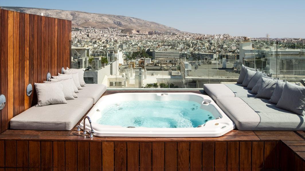 Suite Penthouse, piscina de hidromasajes en la terraza