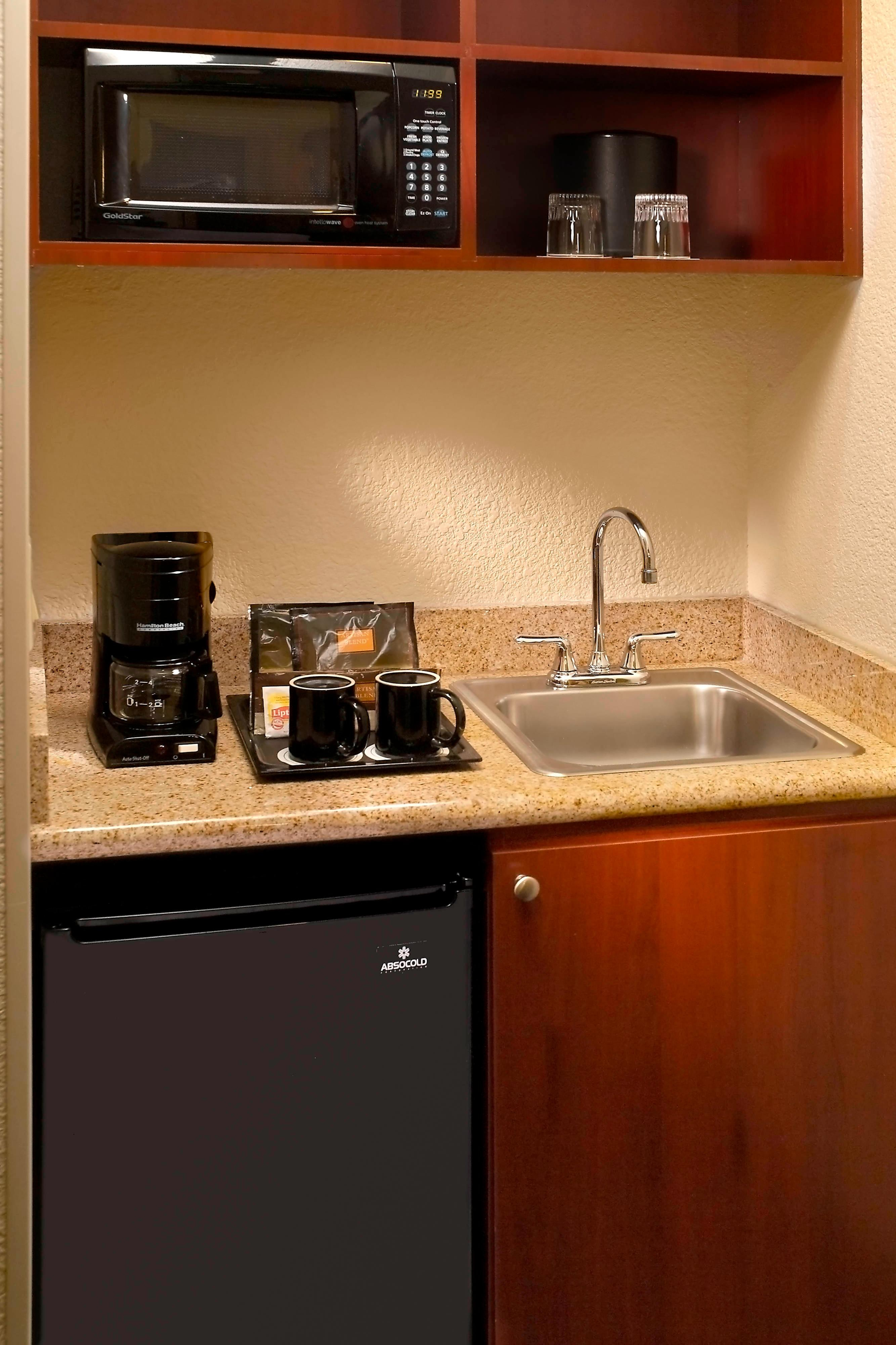 SpringHill Suites Kitchenette