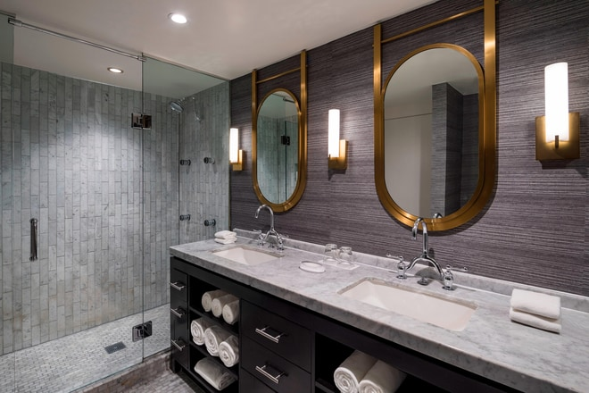 WOW Suite Bathroom