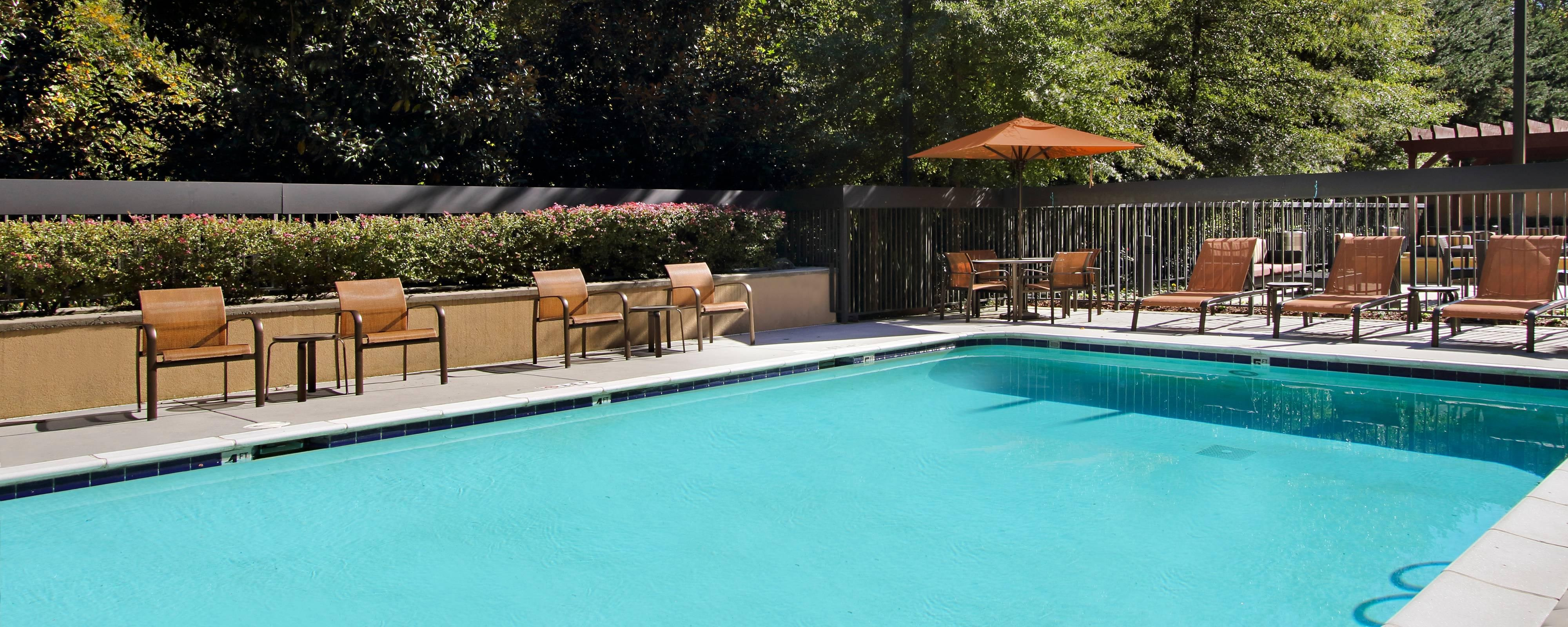 Atlanta Airport Hotels With Fitness Center And Swimming Pool