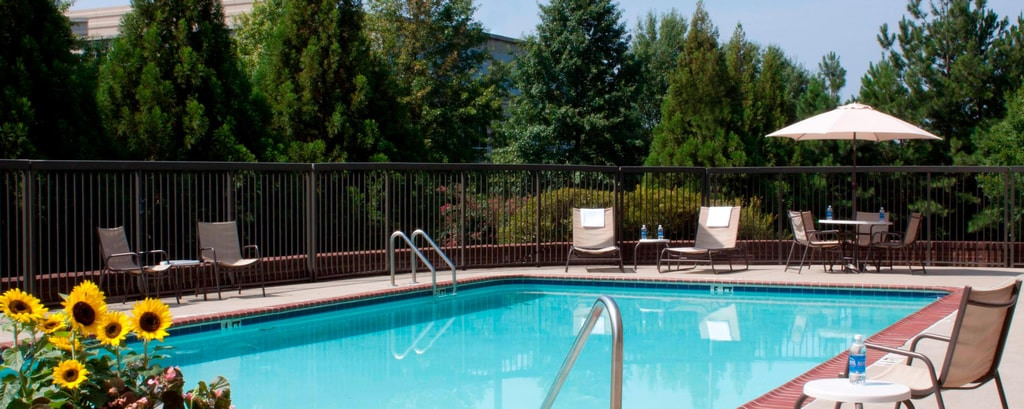 Piscina del Fairfield Inn Kennesaw