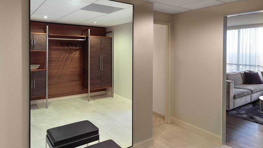 Presidential Suite – Dressing Room