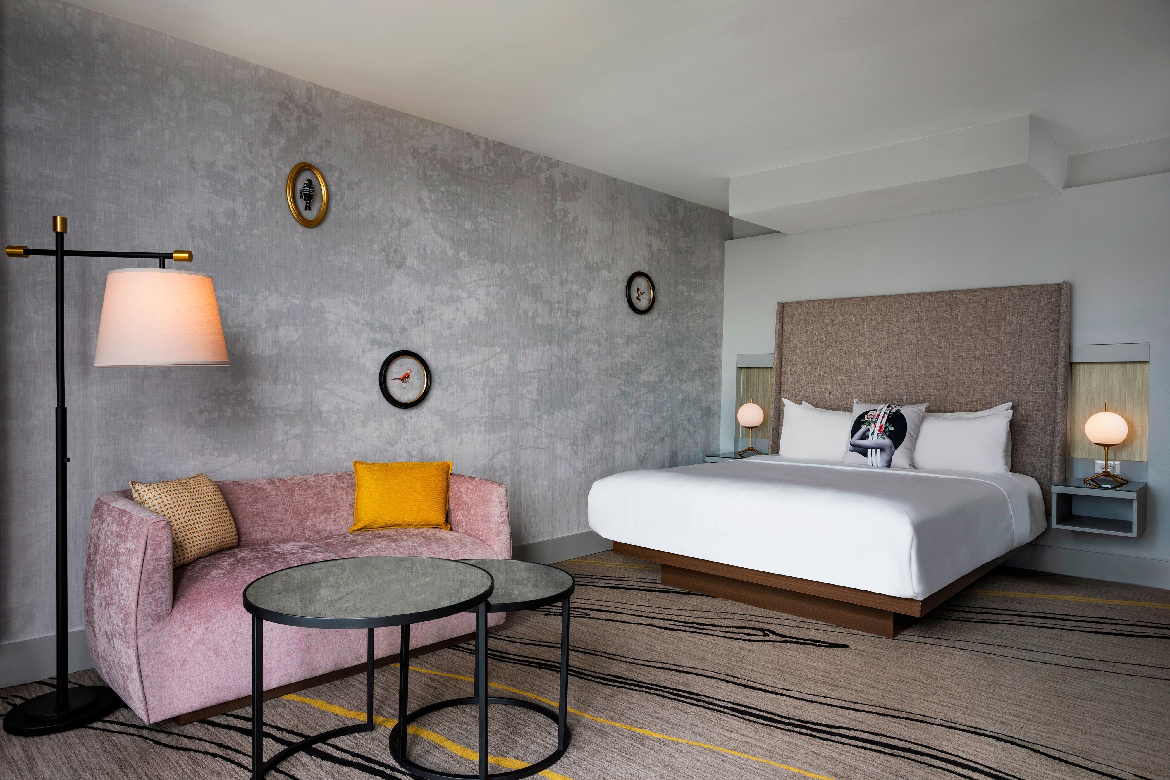 King Wonderful Guest Room