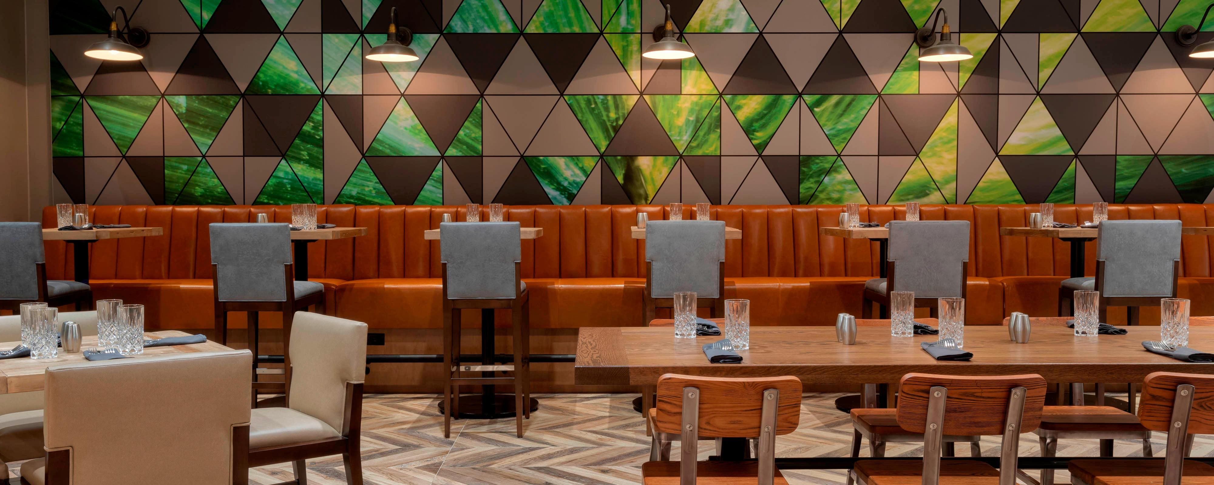 North Atlanta Hotels with Onsite Dining | Dining near
