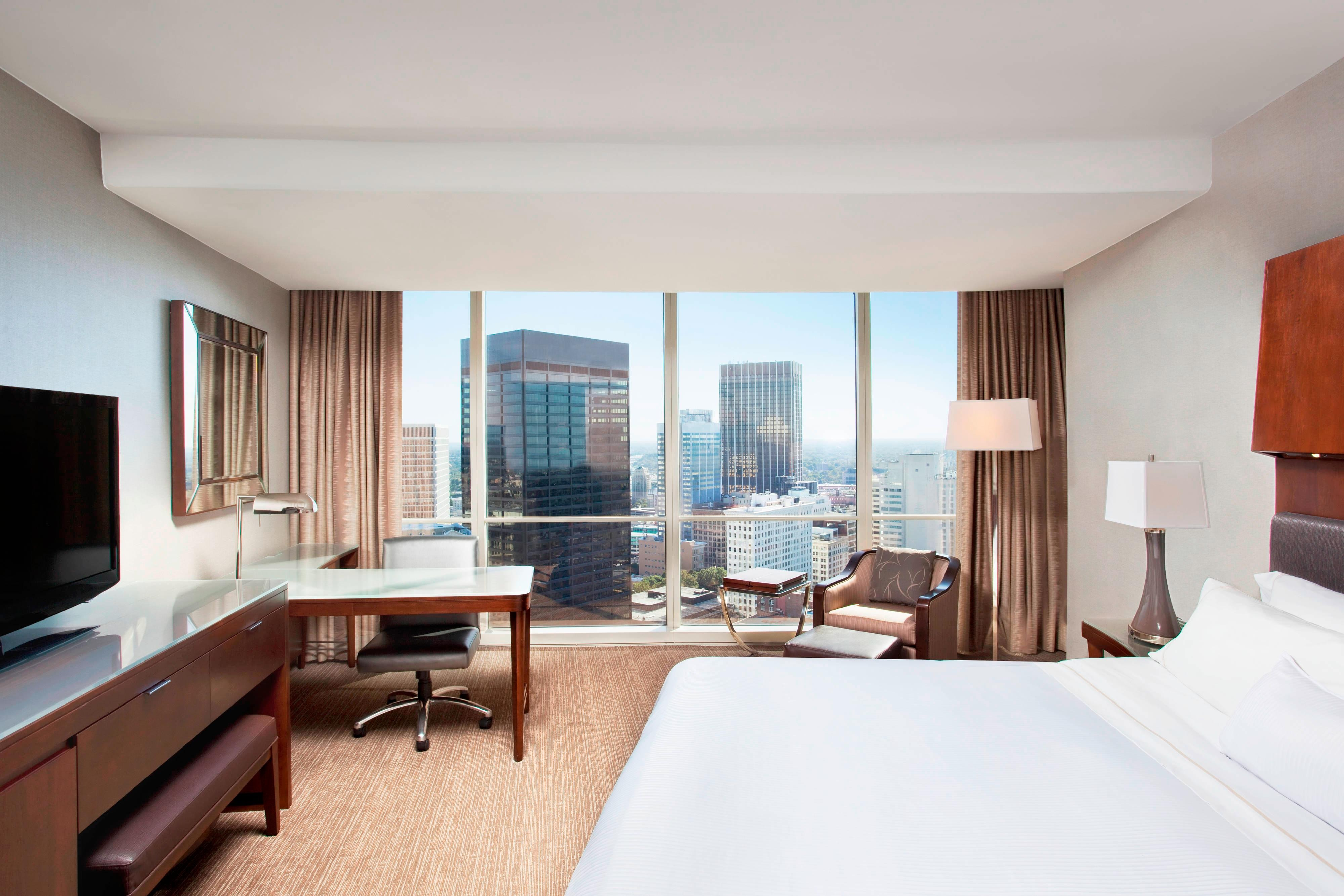 Deluxe King Room City View
