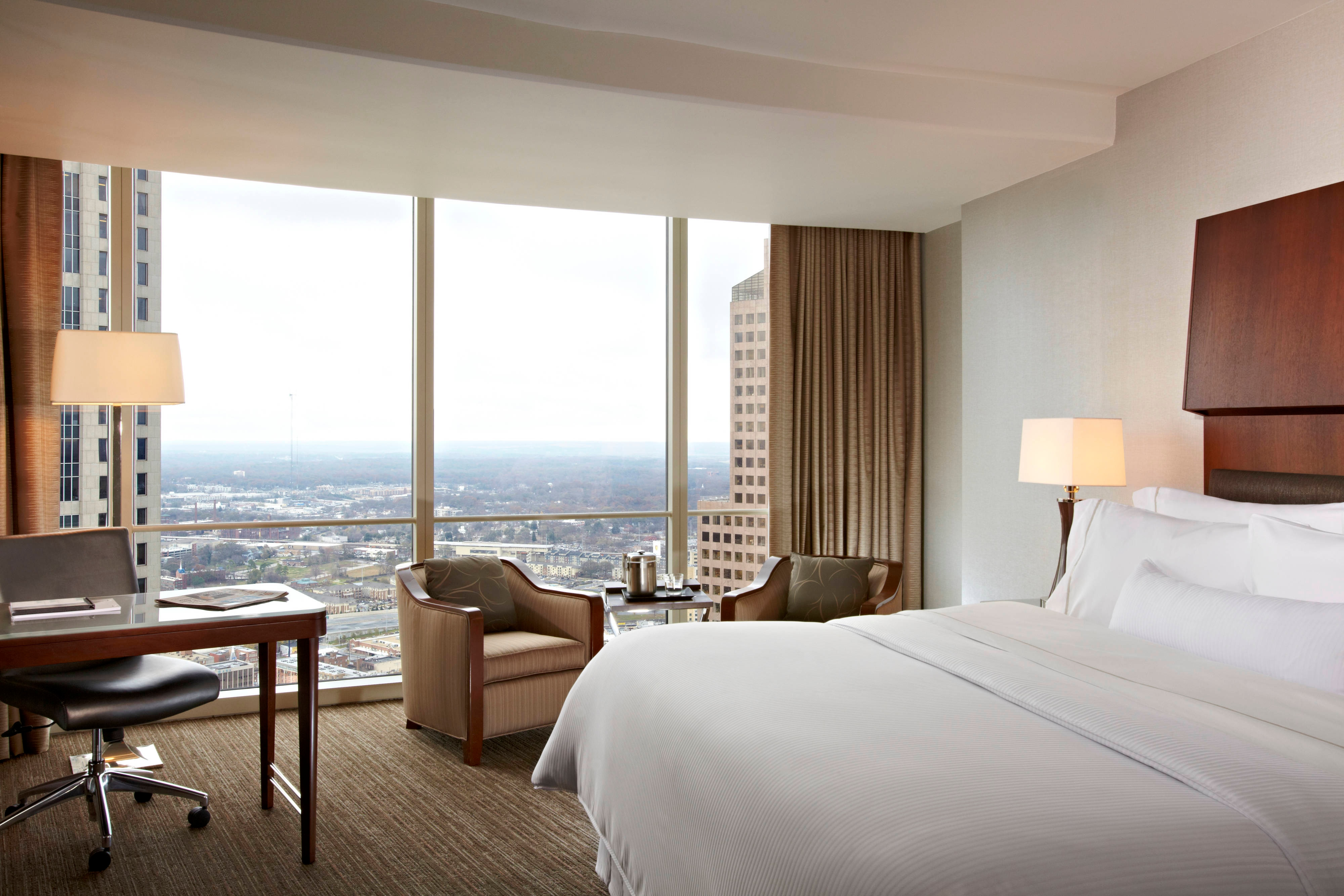 Standard Rooms Low Cost And Confortable In The Center Of: The Westin Peachtree Plaza, Atlanta