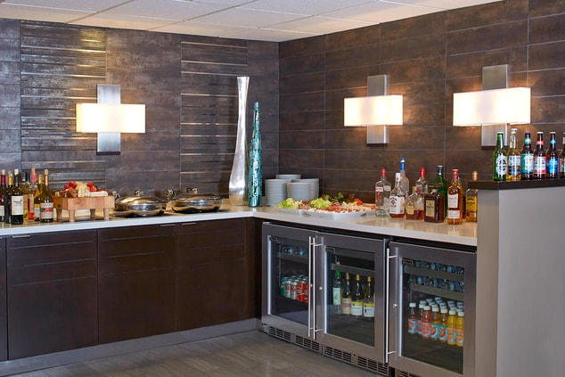Evening bar service in the Club Lounge