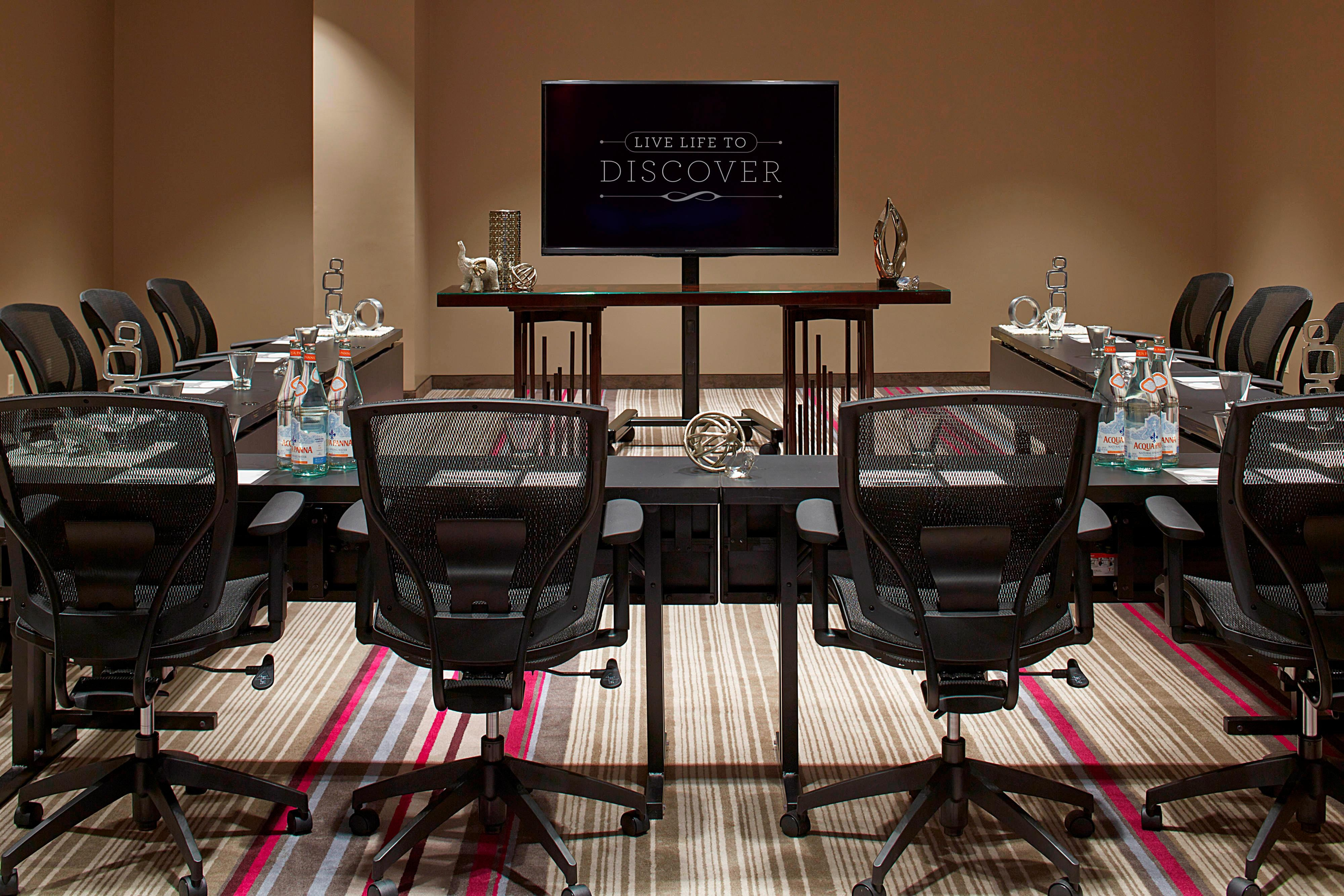 Lenox Meeting Room – U-Shape Setup