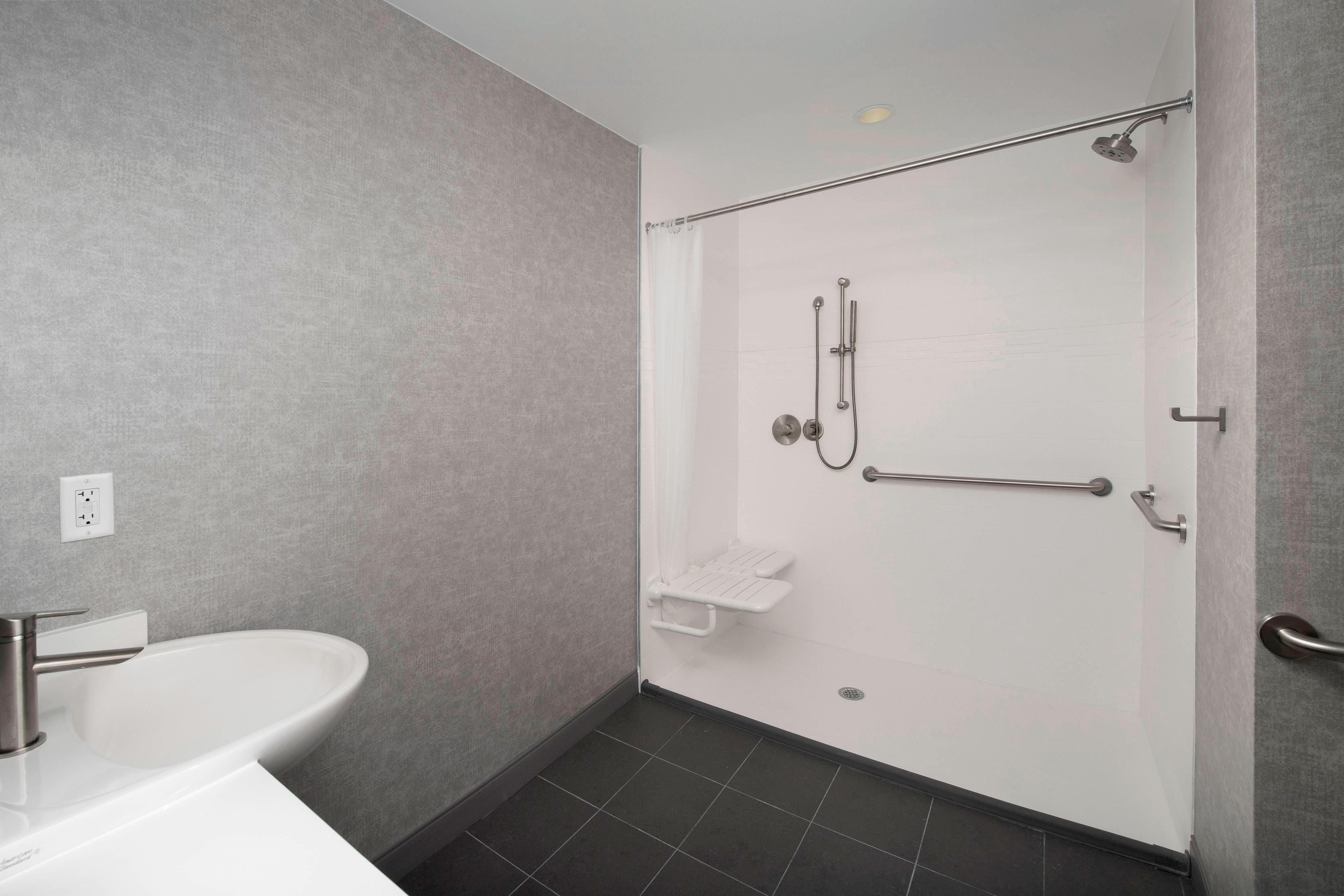 King Suite - Accessible Roll-in Shower
