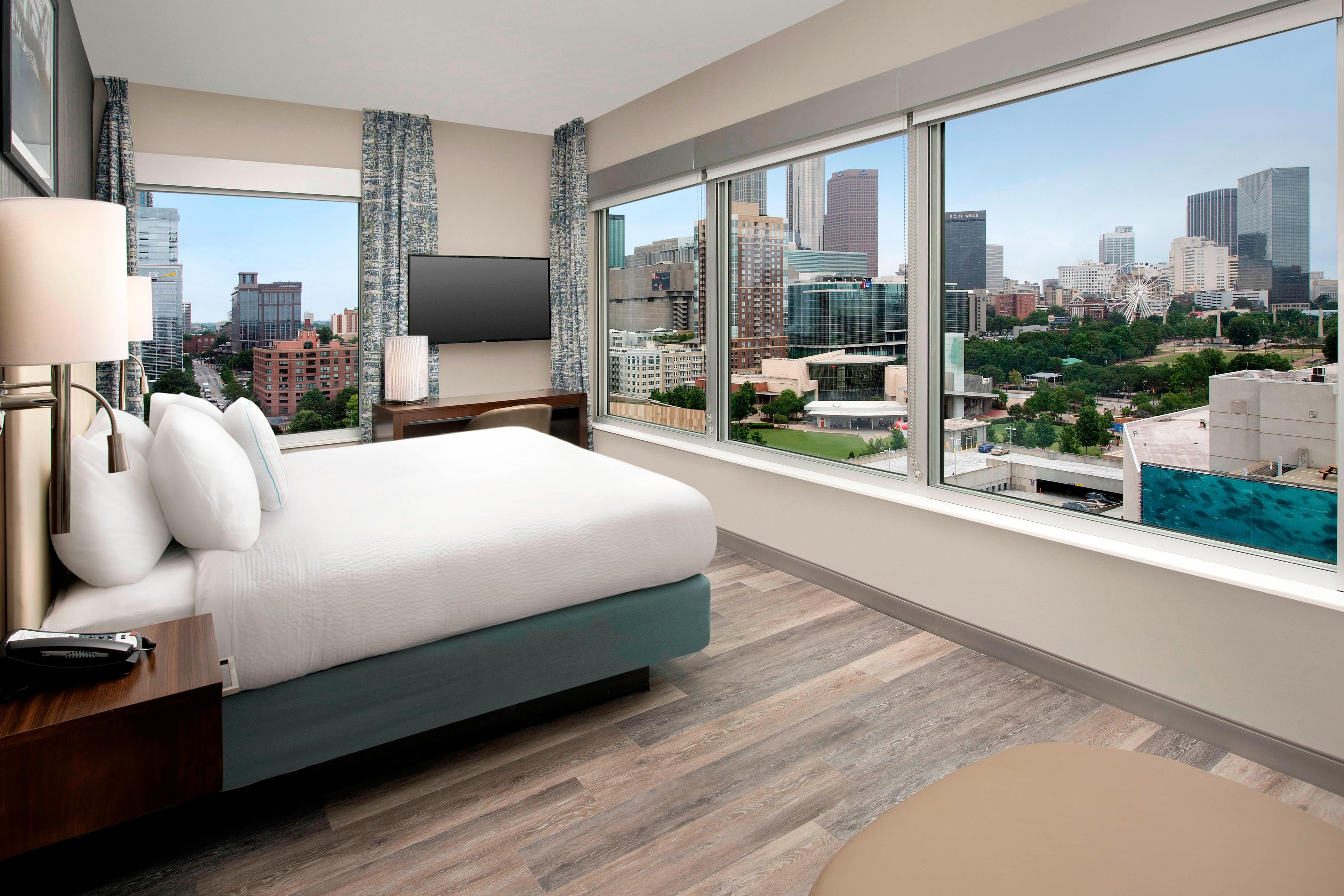 Corner Suite with Downtown View