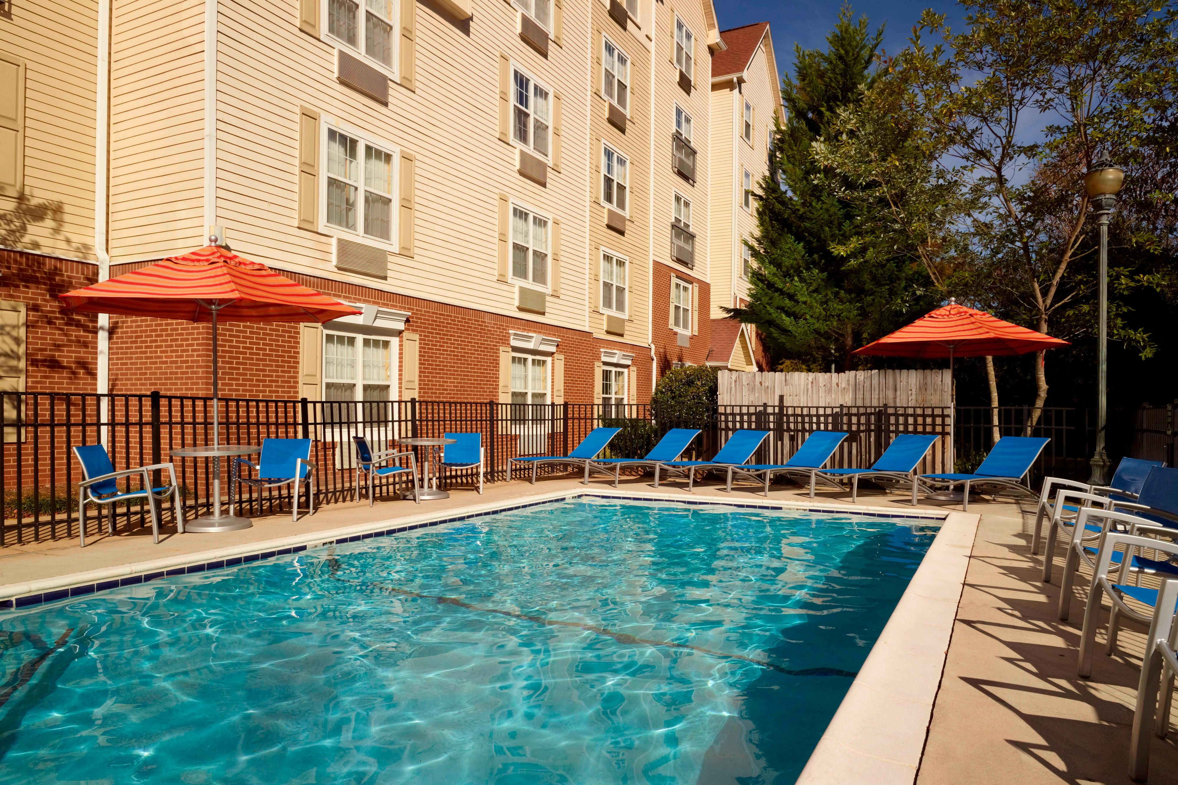 Northlake Atlanta Hotel Pool