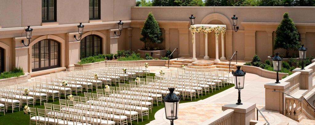 Buckhead Outdoor Wedding Venues |The St  Regis Atlanta