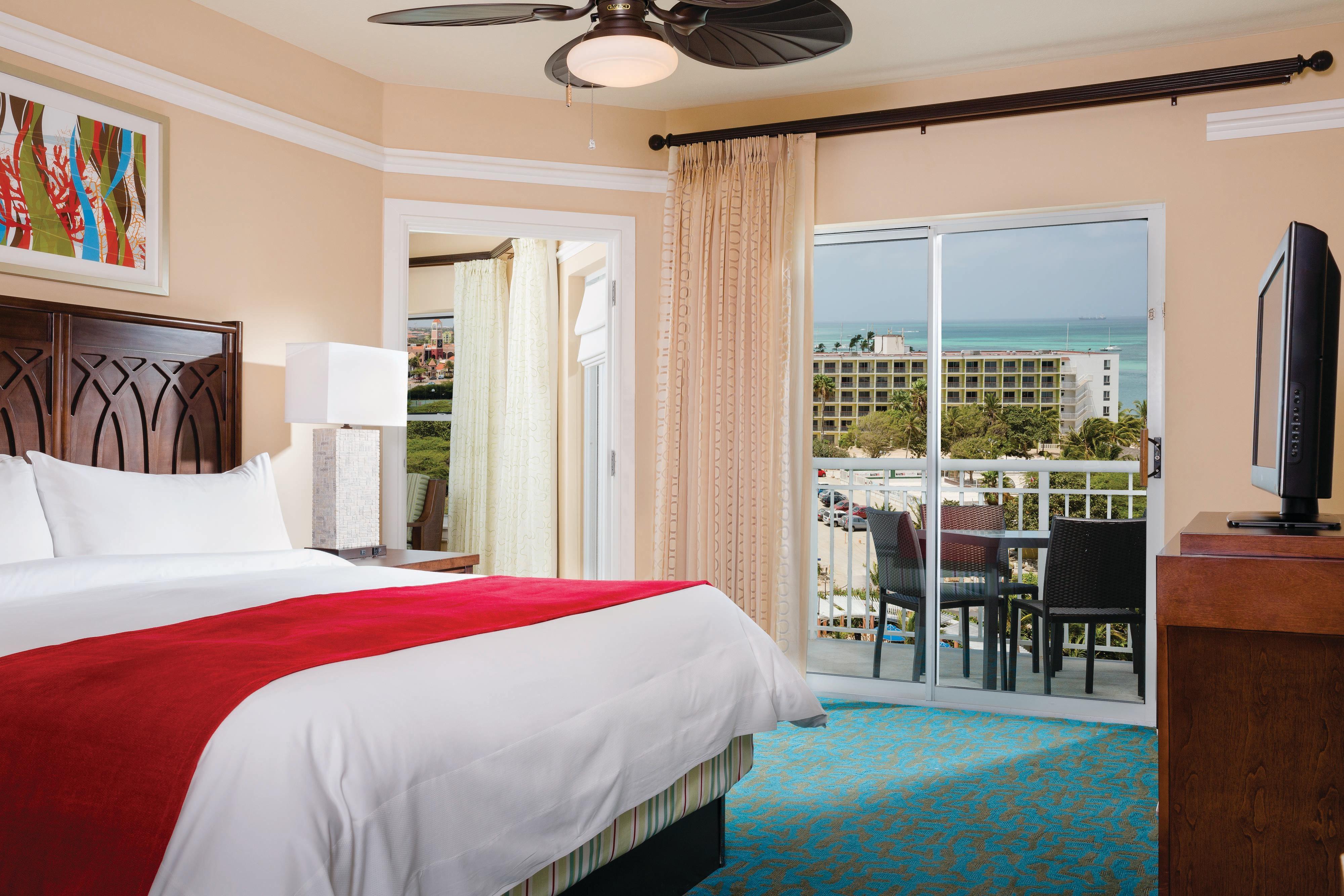 Villa Master Bedroom - Oceanside