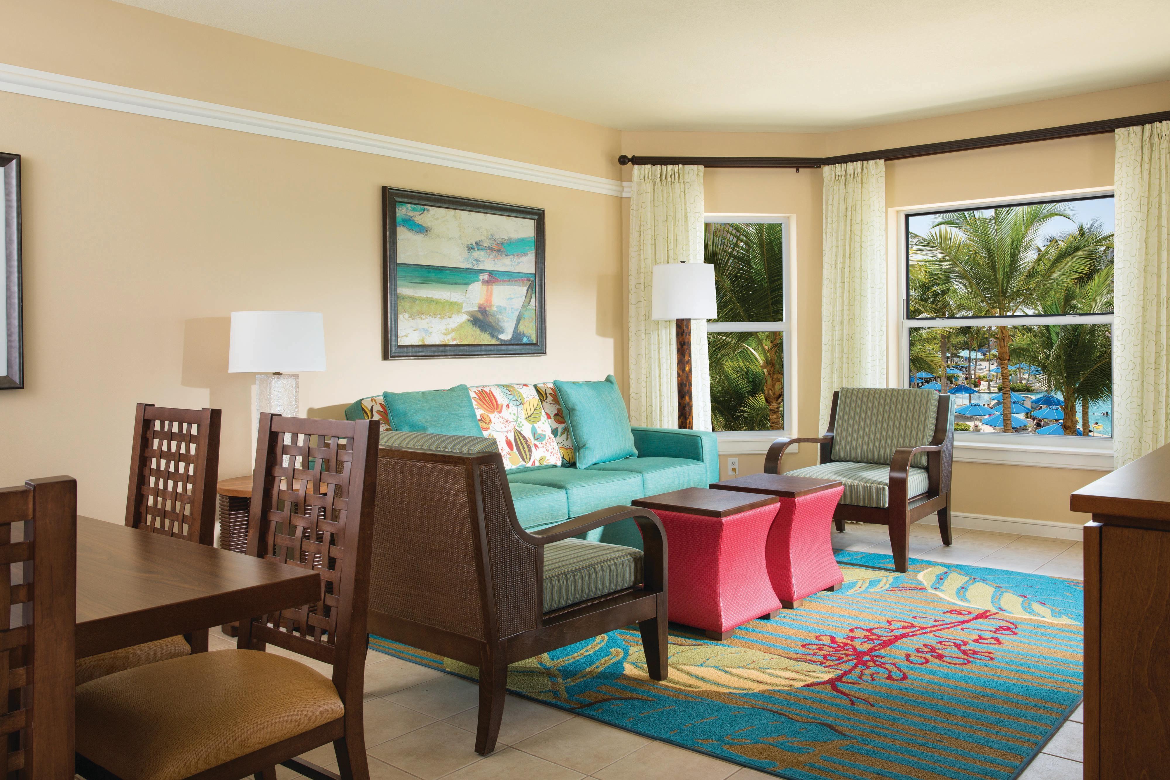 Villa Living & Dining Room - Garden View