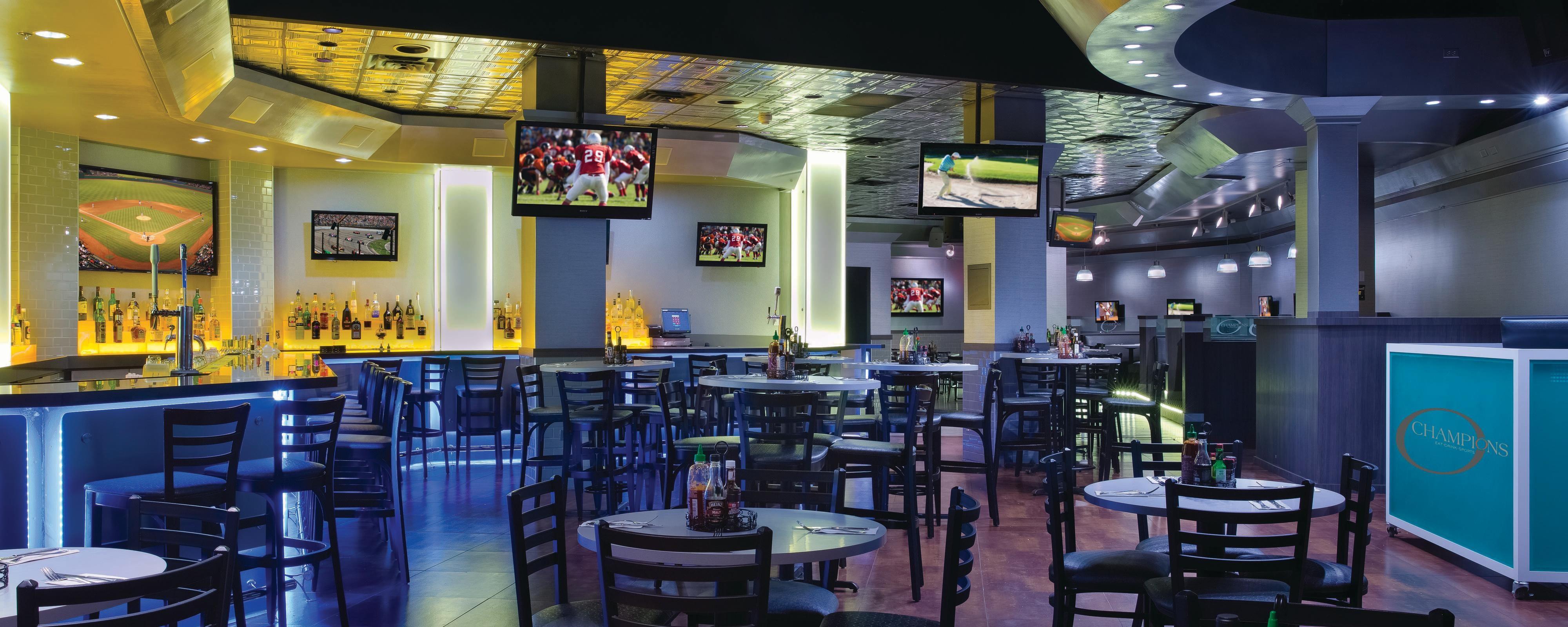 Aruba Sports Bar Beachfront Restaurants In Aruba