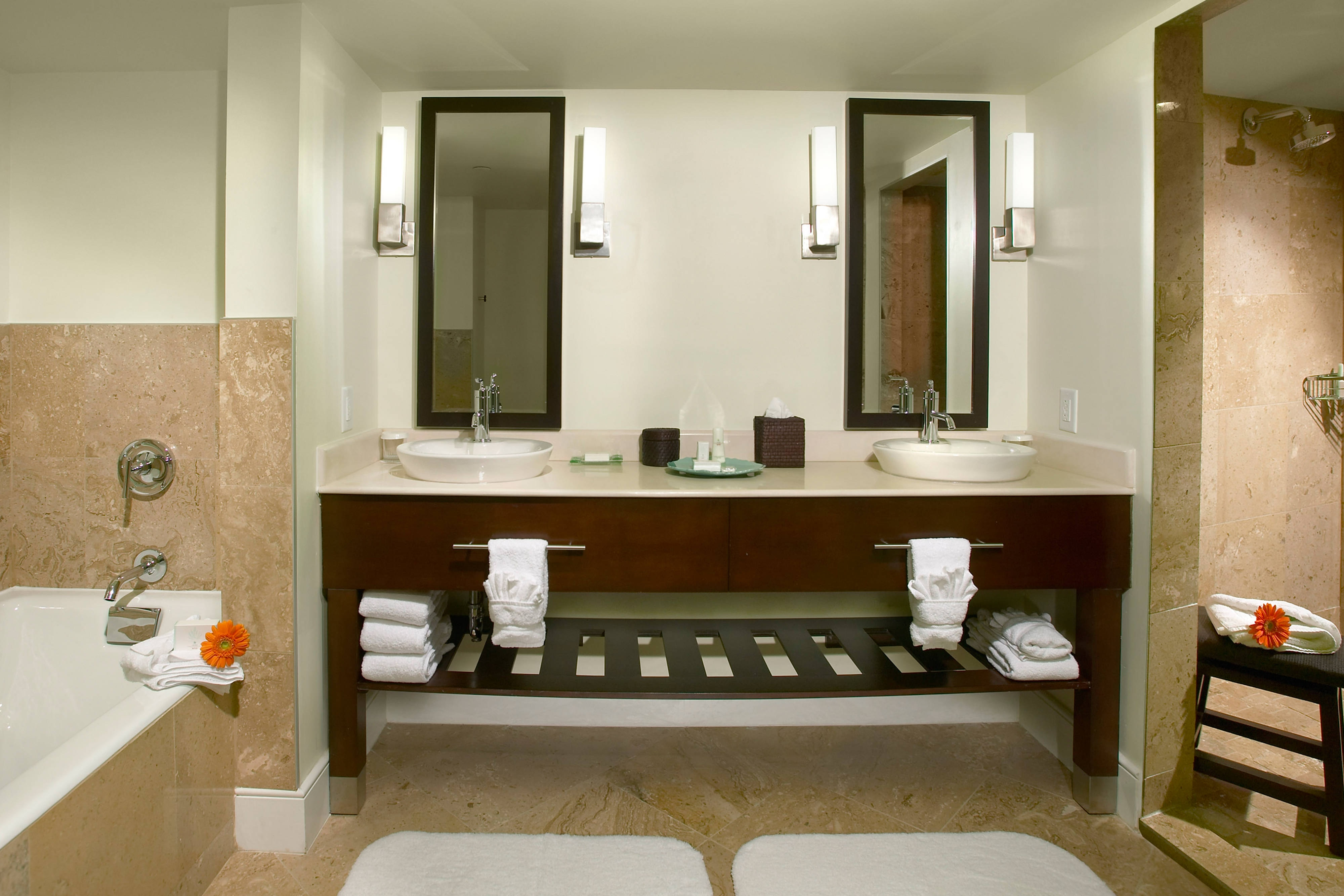 Aruba Luxury Hotel Suite Bathroom