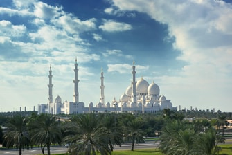 hotels near Sheikh Zayed Mosque