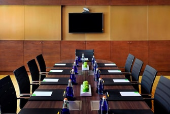 Al Saadiyat Meeting Room