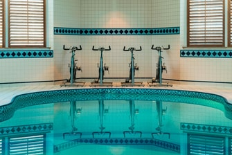 Fitnesscenter - Innenpool