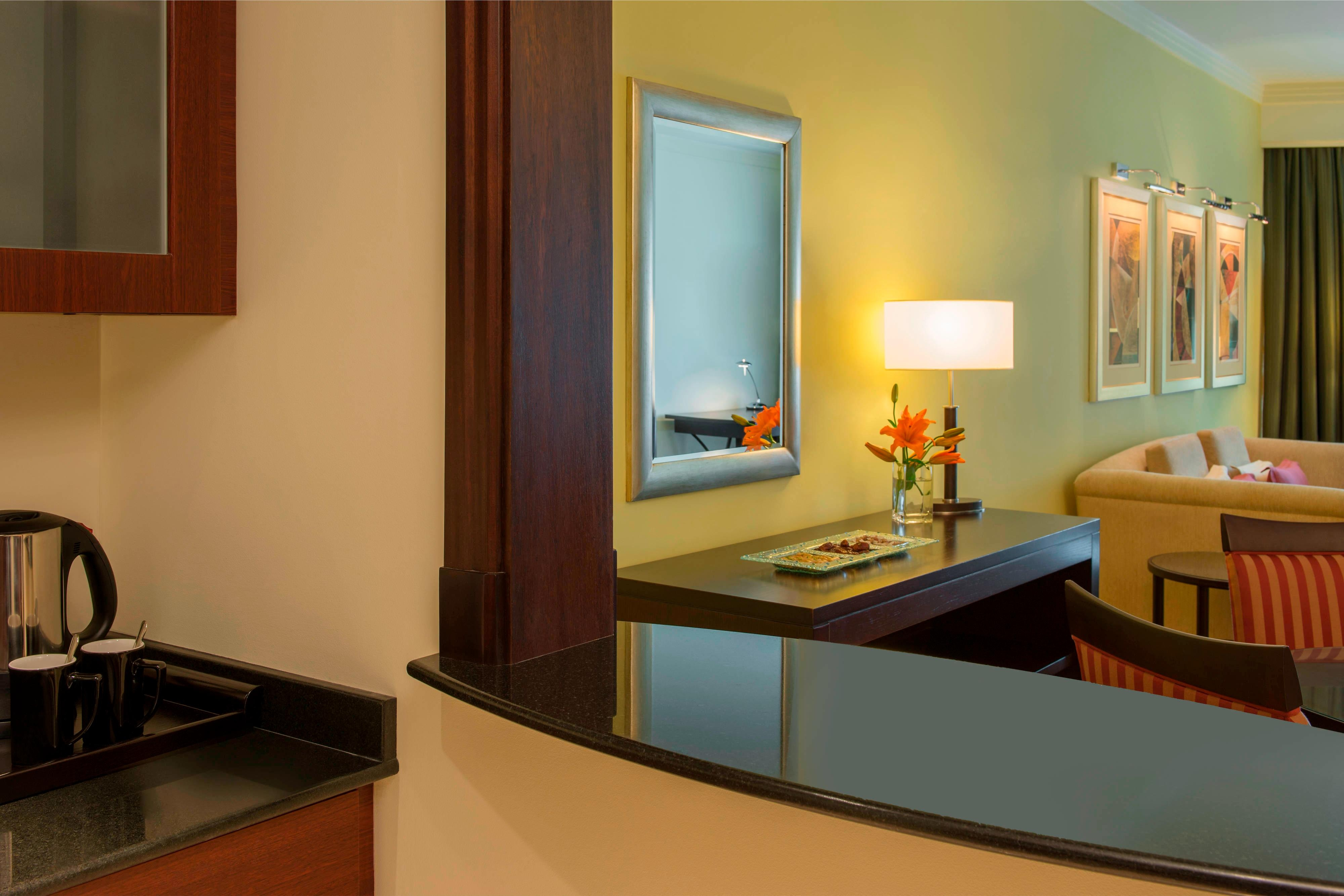 Royal Club Room - Kitchenette and Living Room