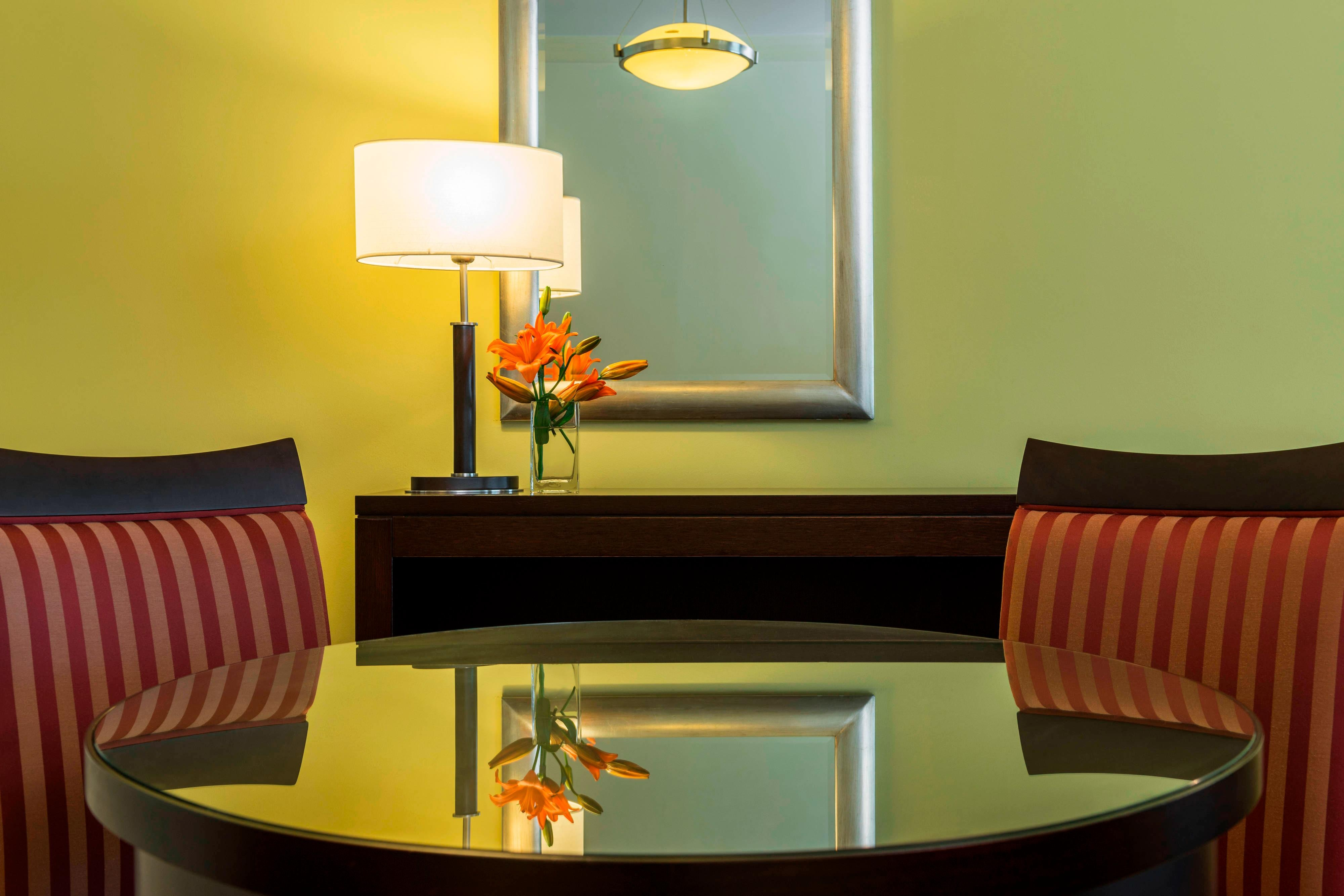 Royal Club Suite - Dining Area