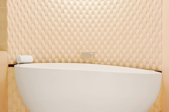 Executive Suite - Heavenly Bath