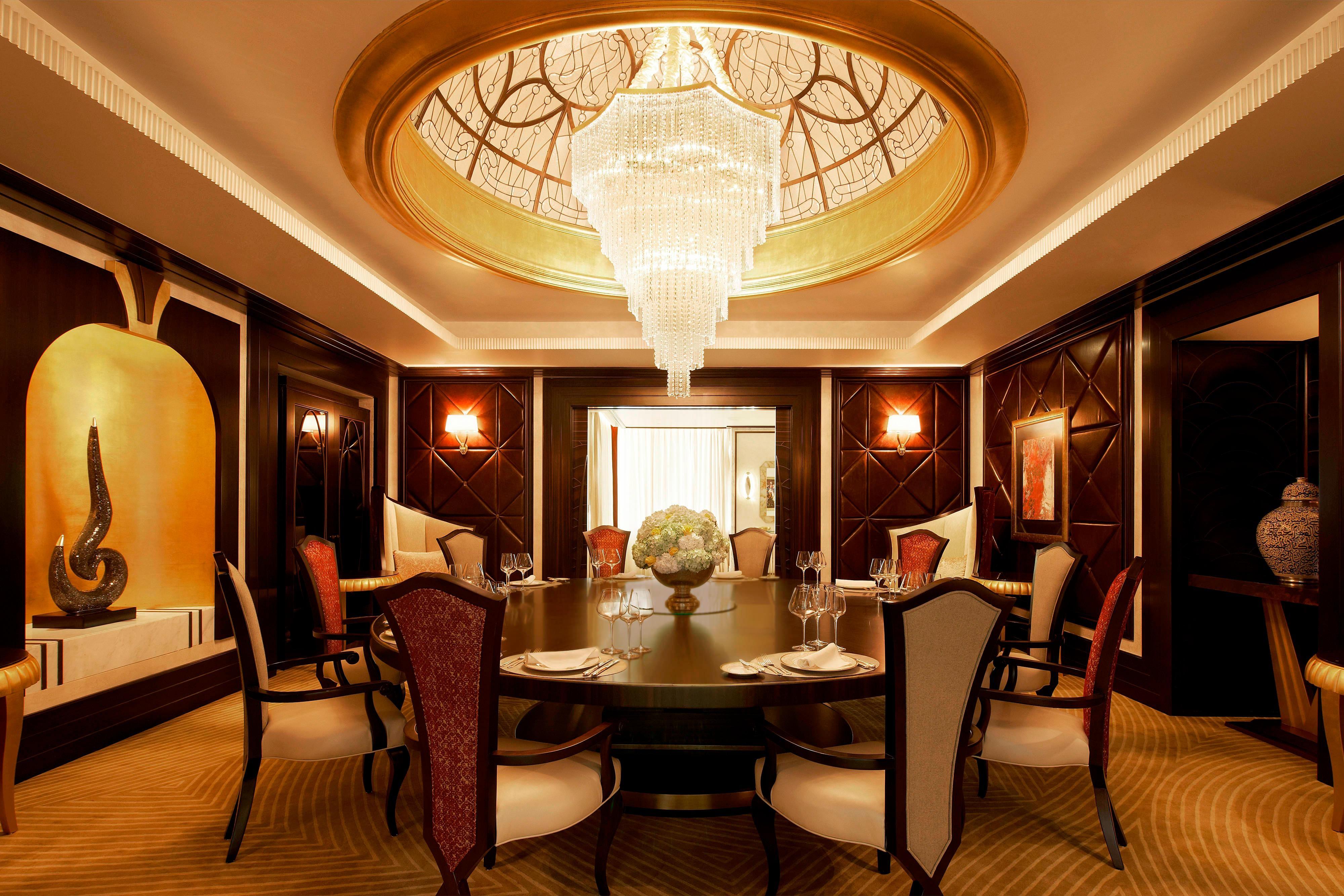 Abu Dhabi Suite - Dining Room