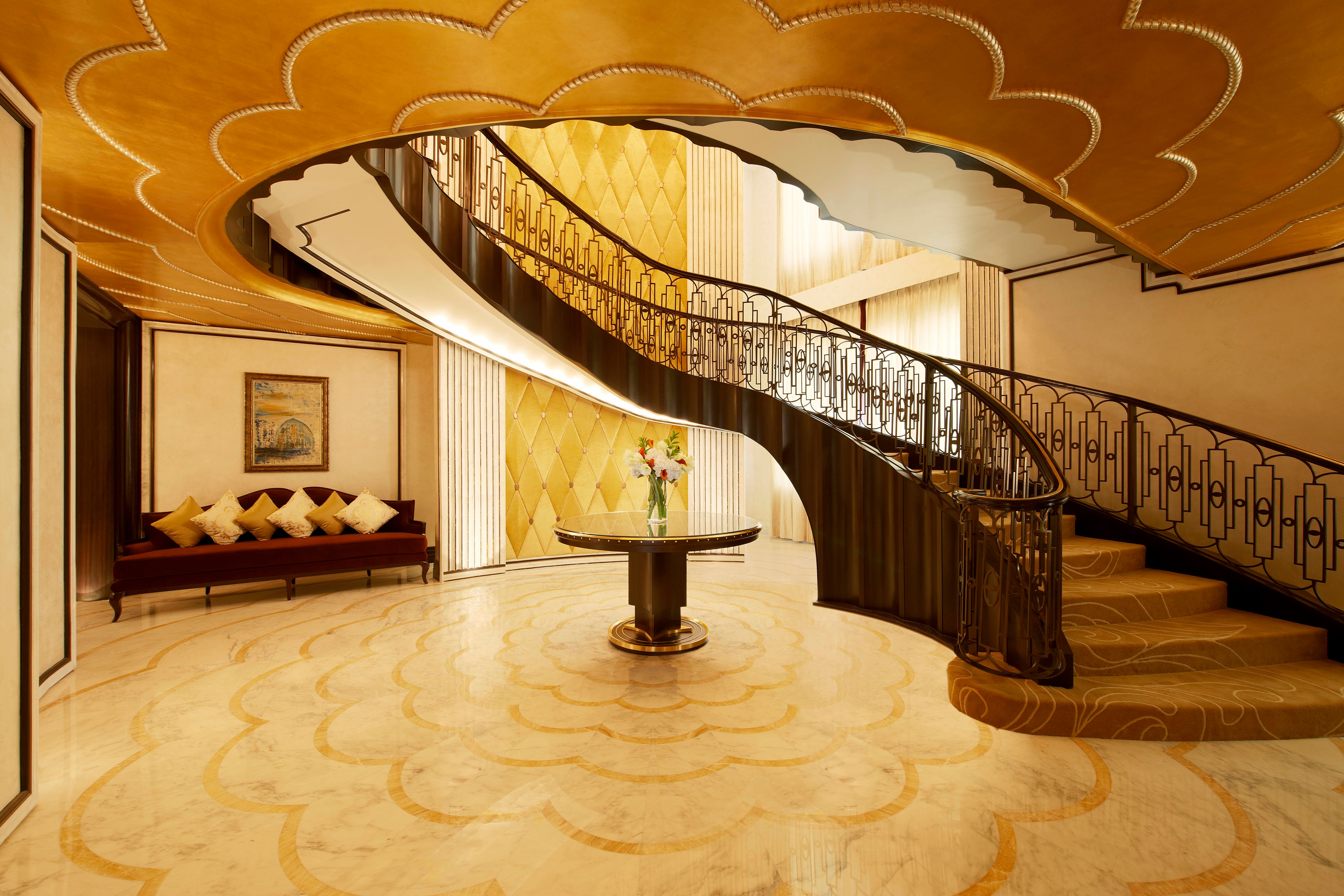 Abu Dhabi Suite - Staircase