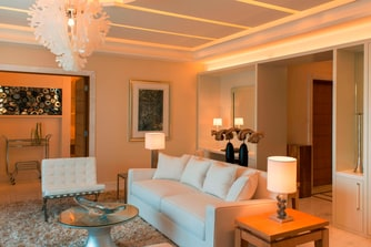 Contemporary Spa Suite - Living Room