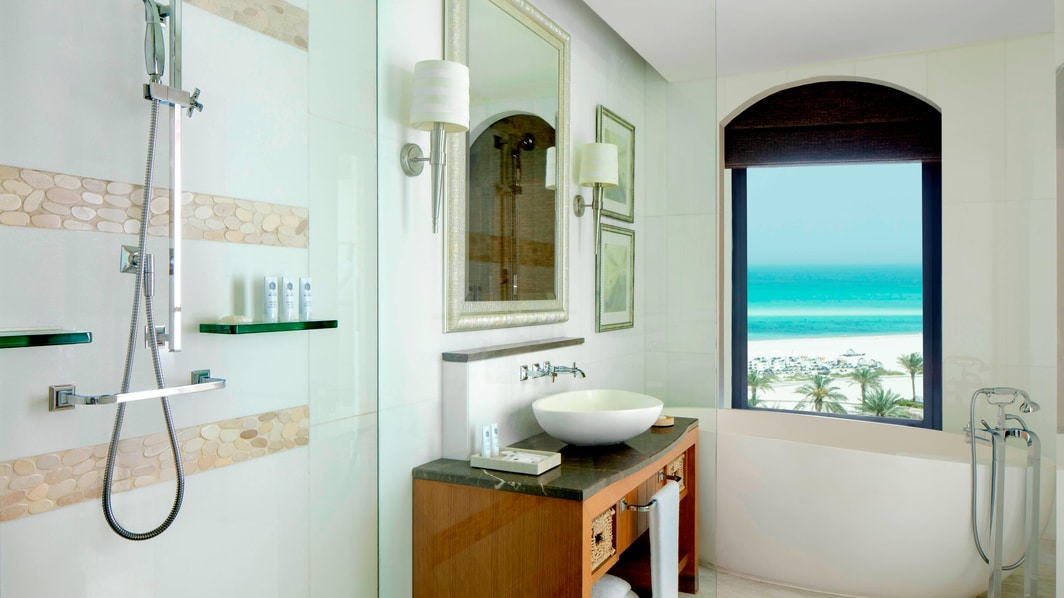 Premium Sea View Room Bathroom