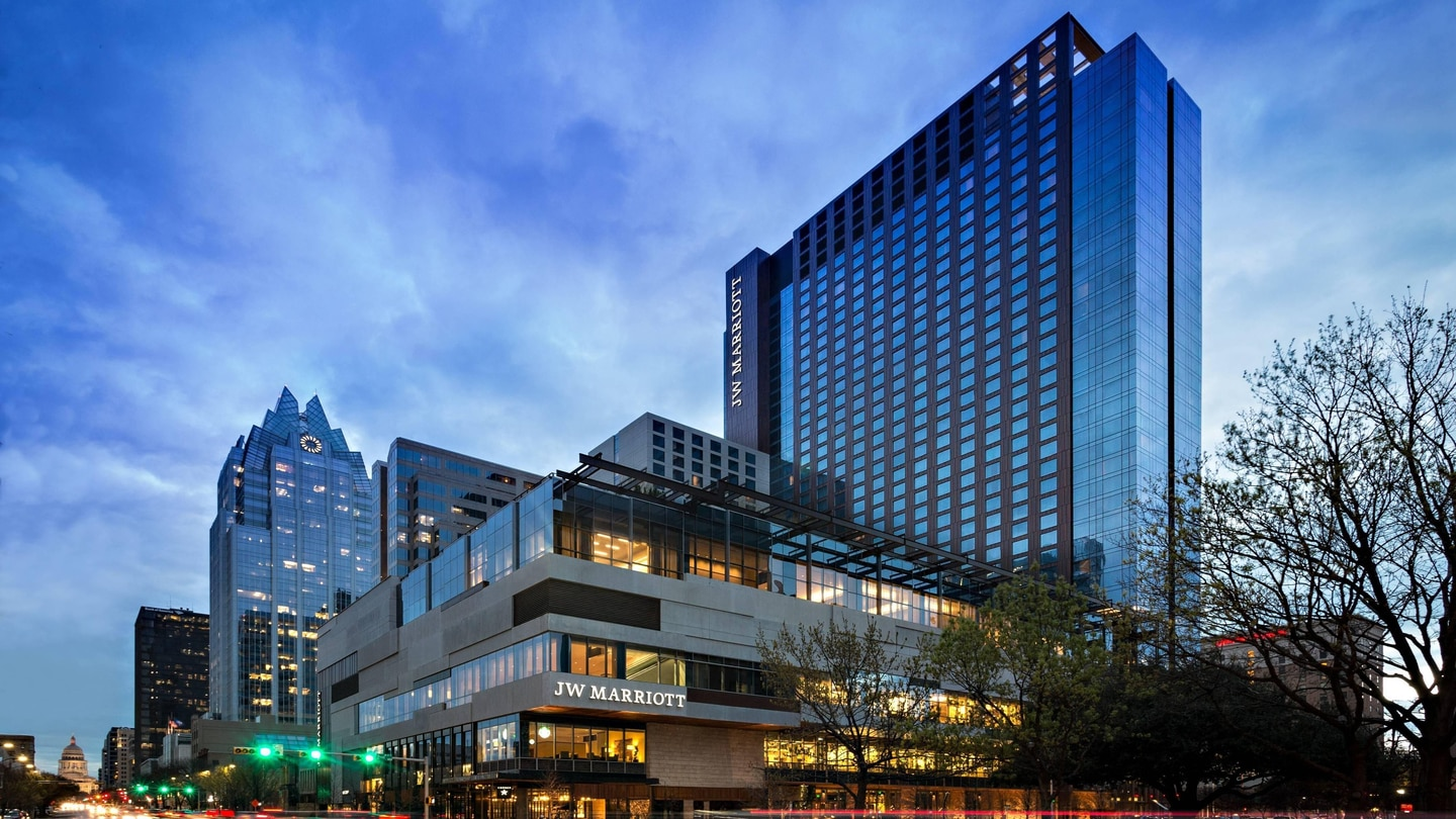 Downtown Luxury Hotels And Resorts In Austin