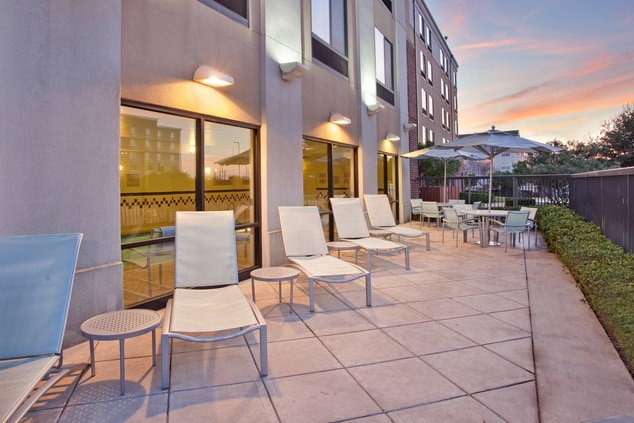 Springhill Suites Austin Patio