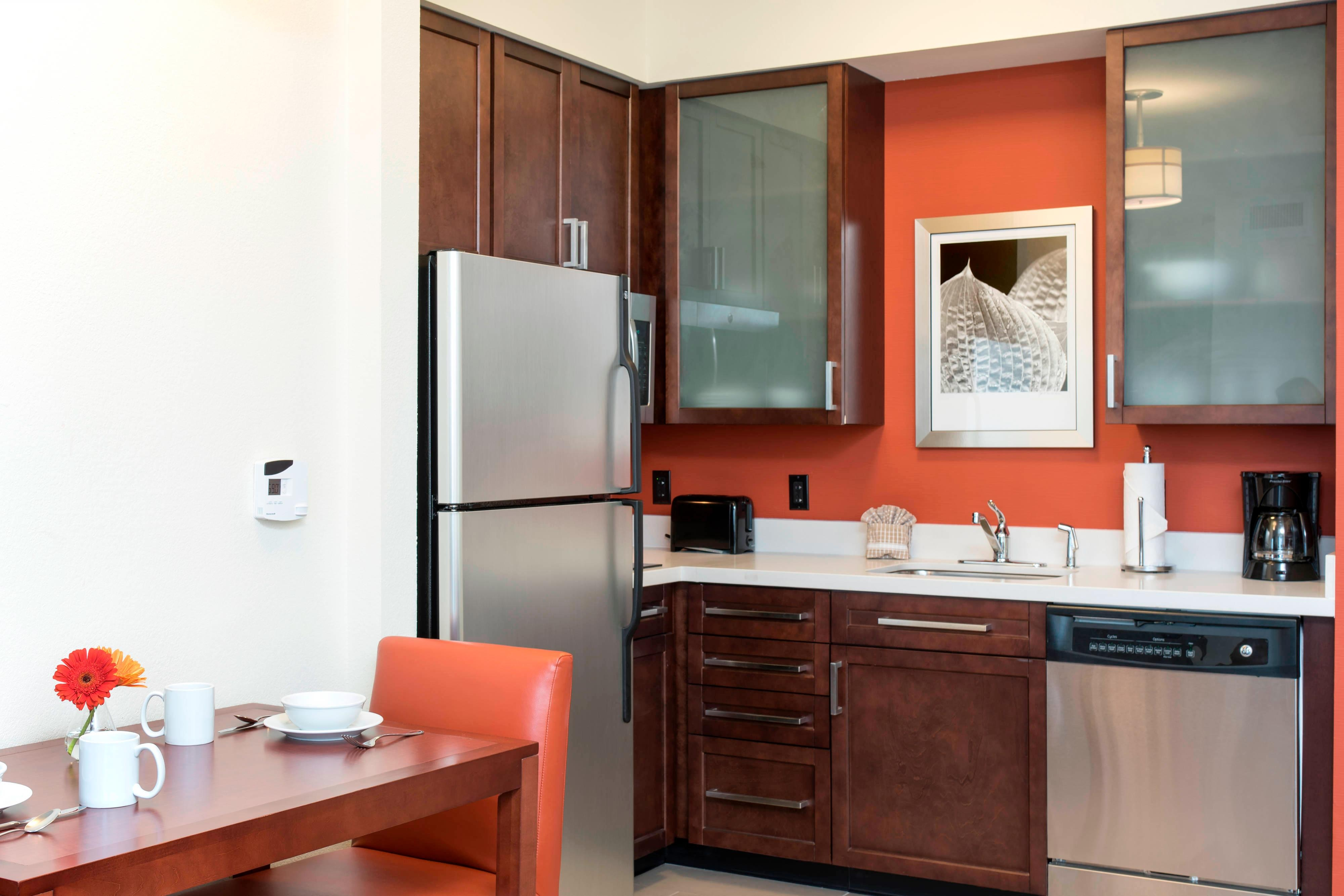 Studio-Suite Kitchen - Residence Inn Austin-University Area