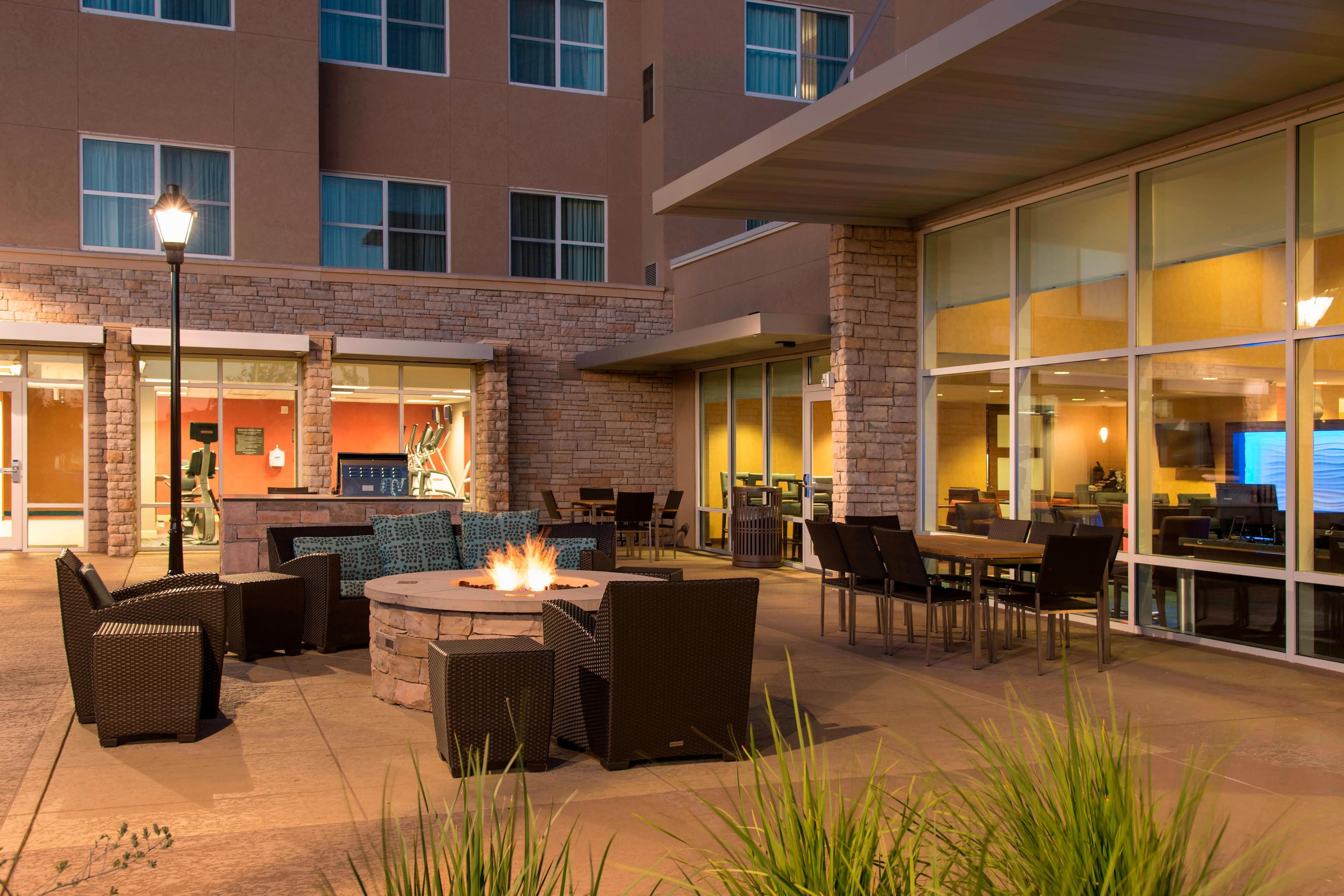 Outdoor Patio - Residence Inn Austin-University Area