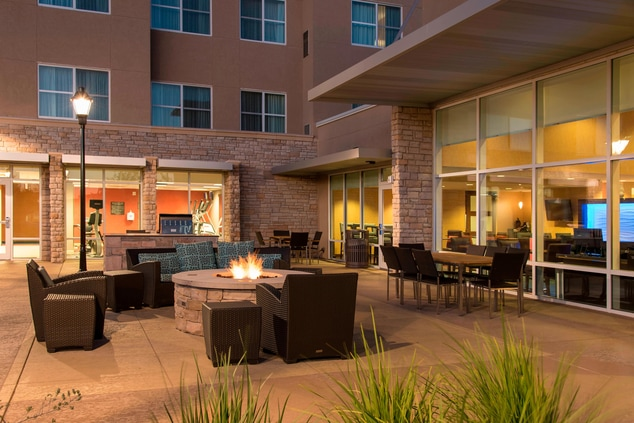 Outdoor Patio - Residence Inn Austin-University Area
