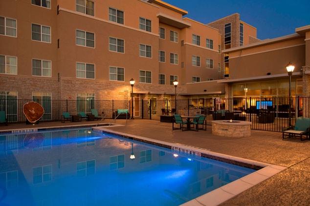 Outdoor Pool - Residence Inn Austin-University Area