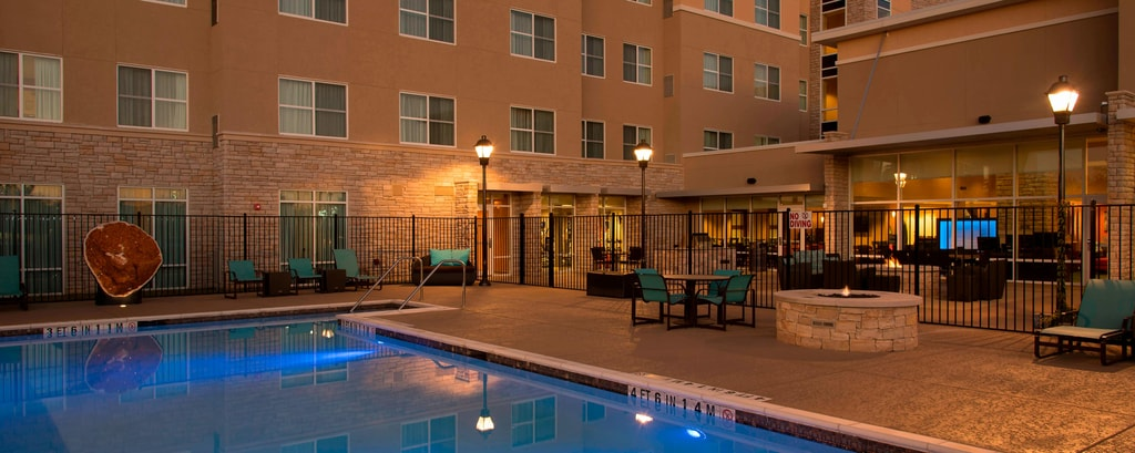 Outdoor Pool - Residence Inn Austin-University Area