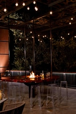 Austin Hotel Outdoor Restaurant Fire Pit