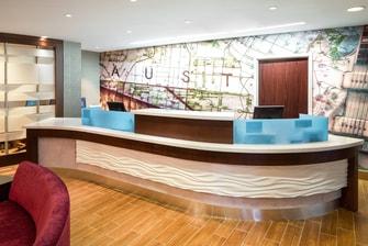 Austin Airport Hotel Front Desk