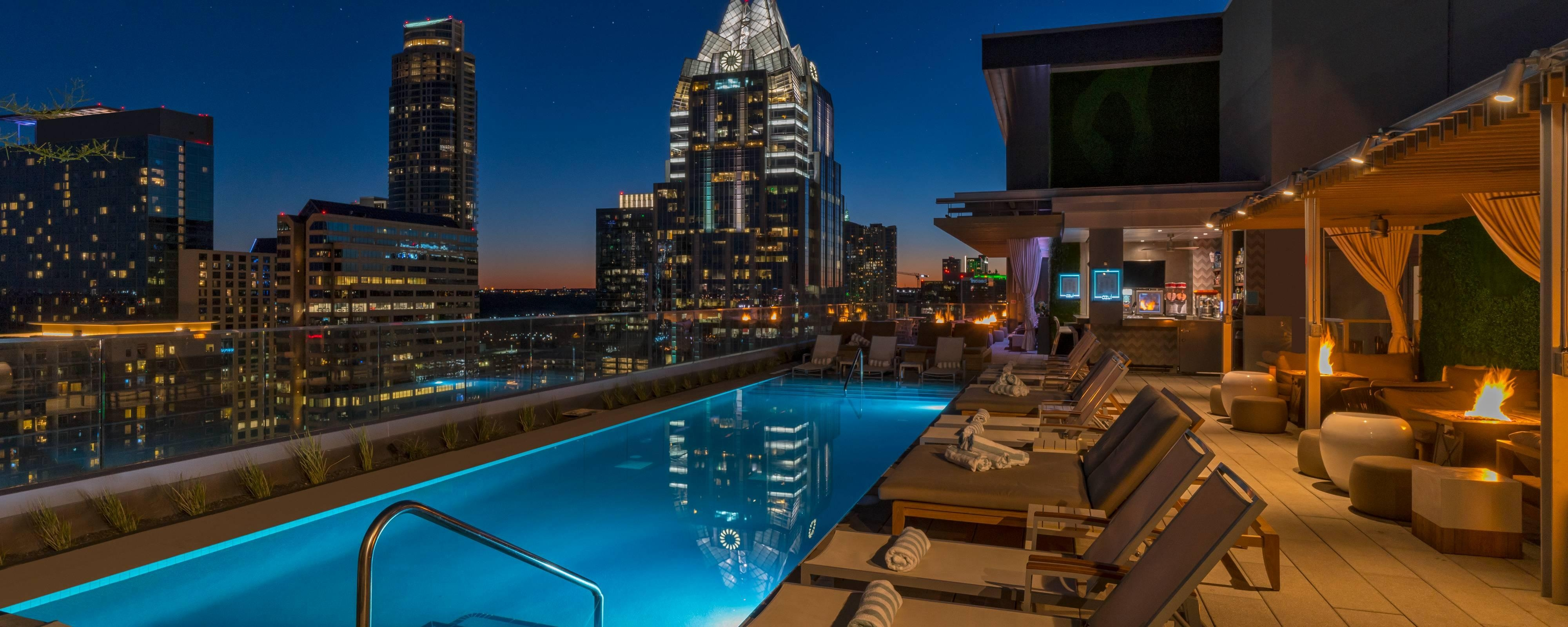 Azul Rooftop Lounge Beds
