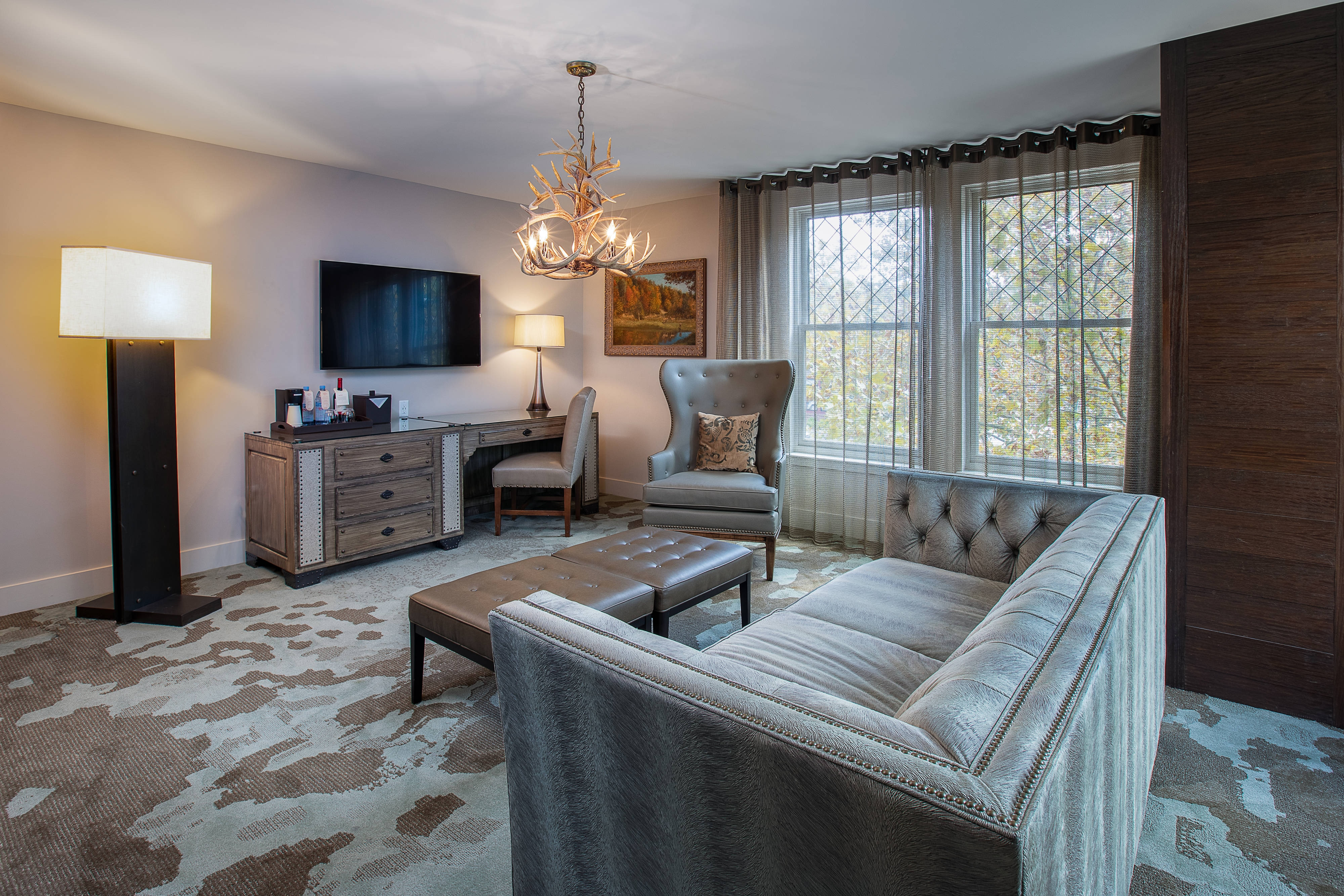King Executive Guest Room - Living Area