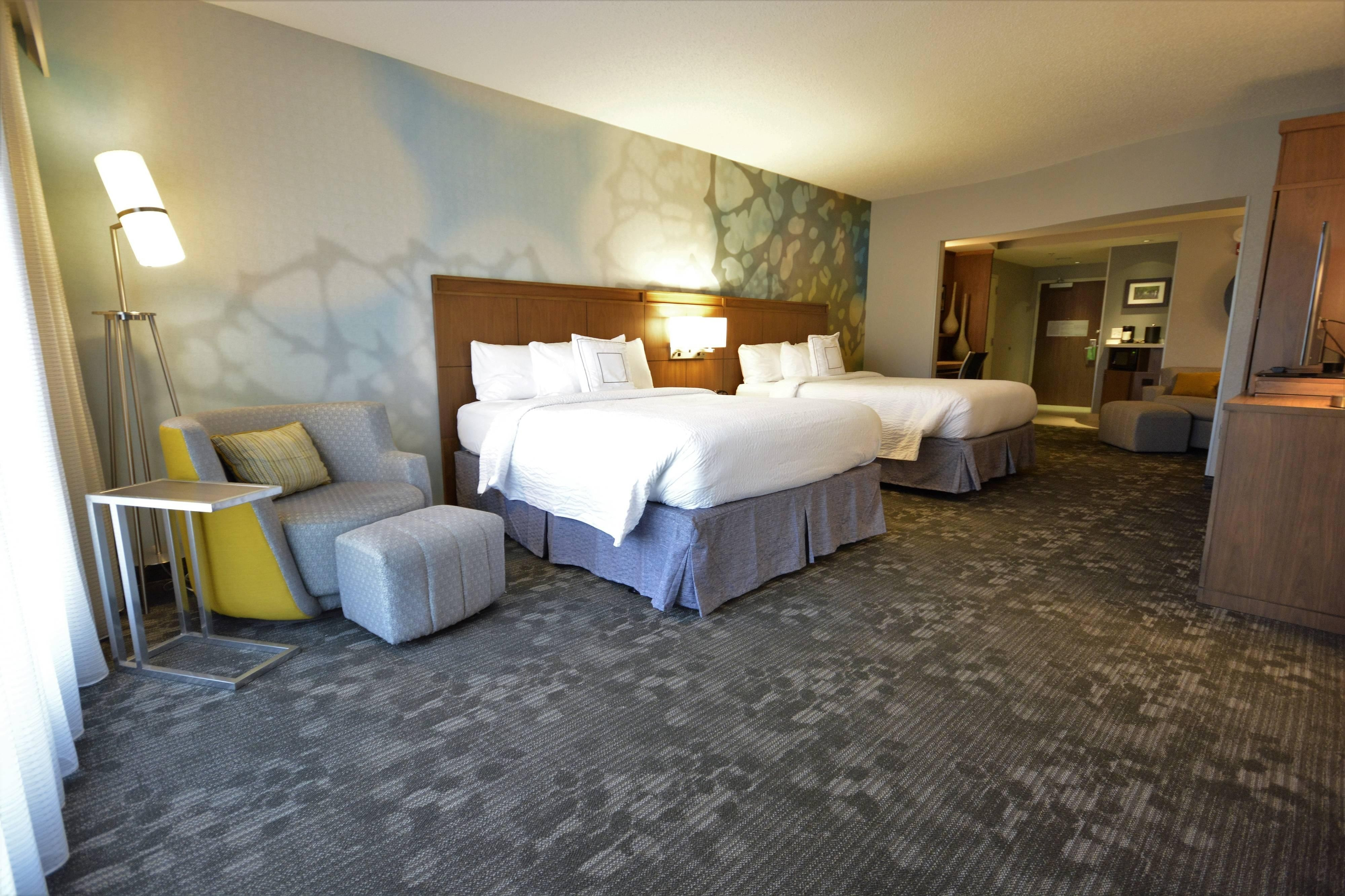 hotel accommodations near asheville airport courtyard. Black Bedroom Furniture Sets. Home Design Ideas