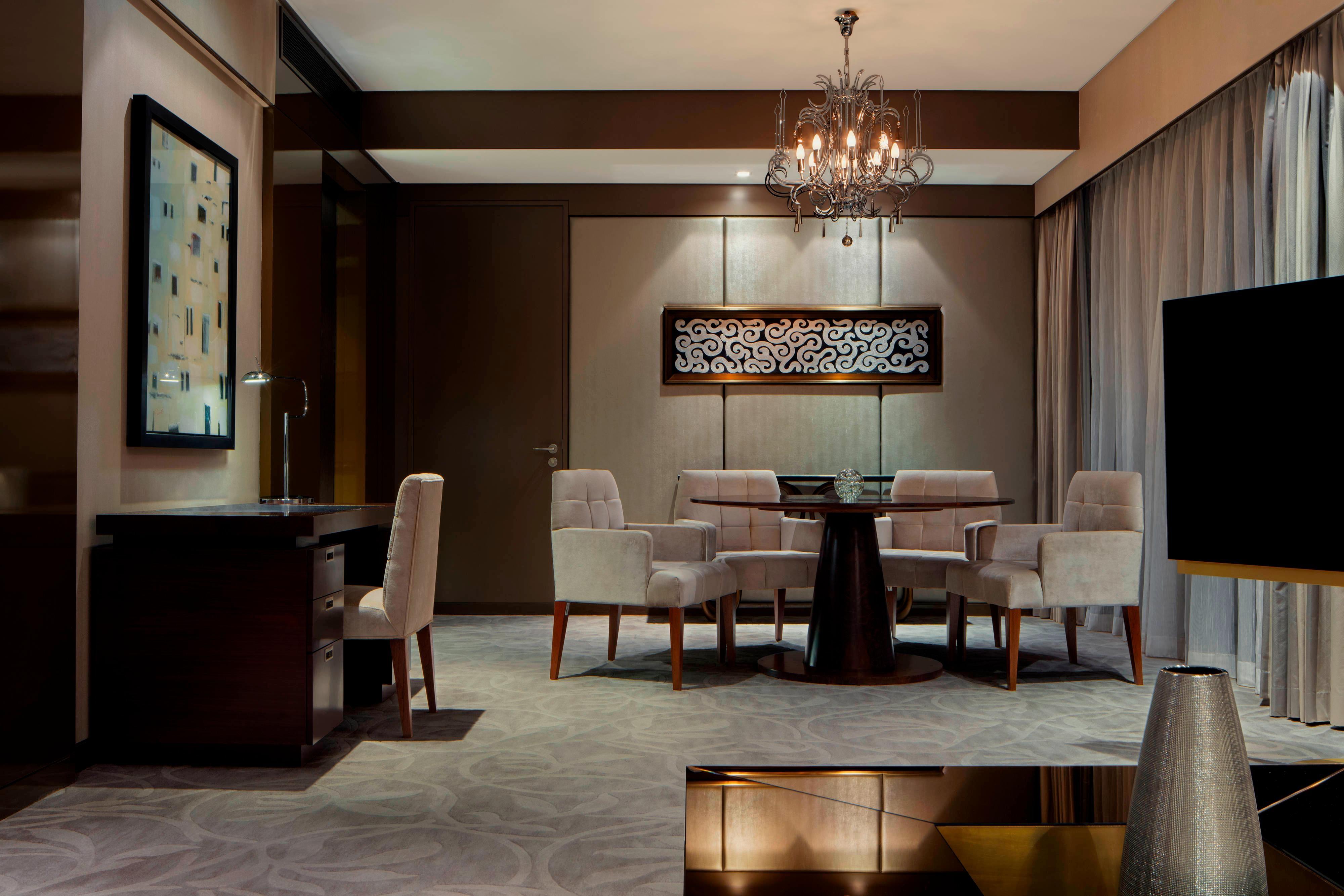 Pearl Suite - Living Room