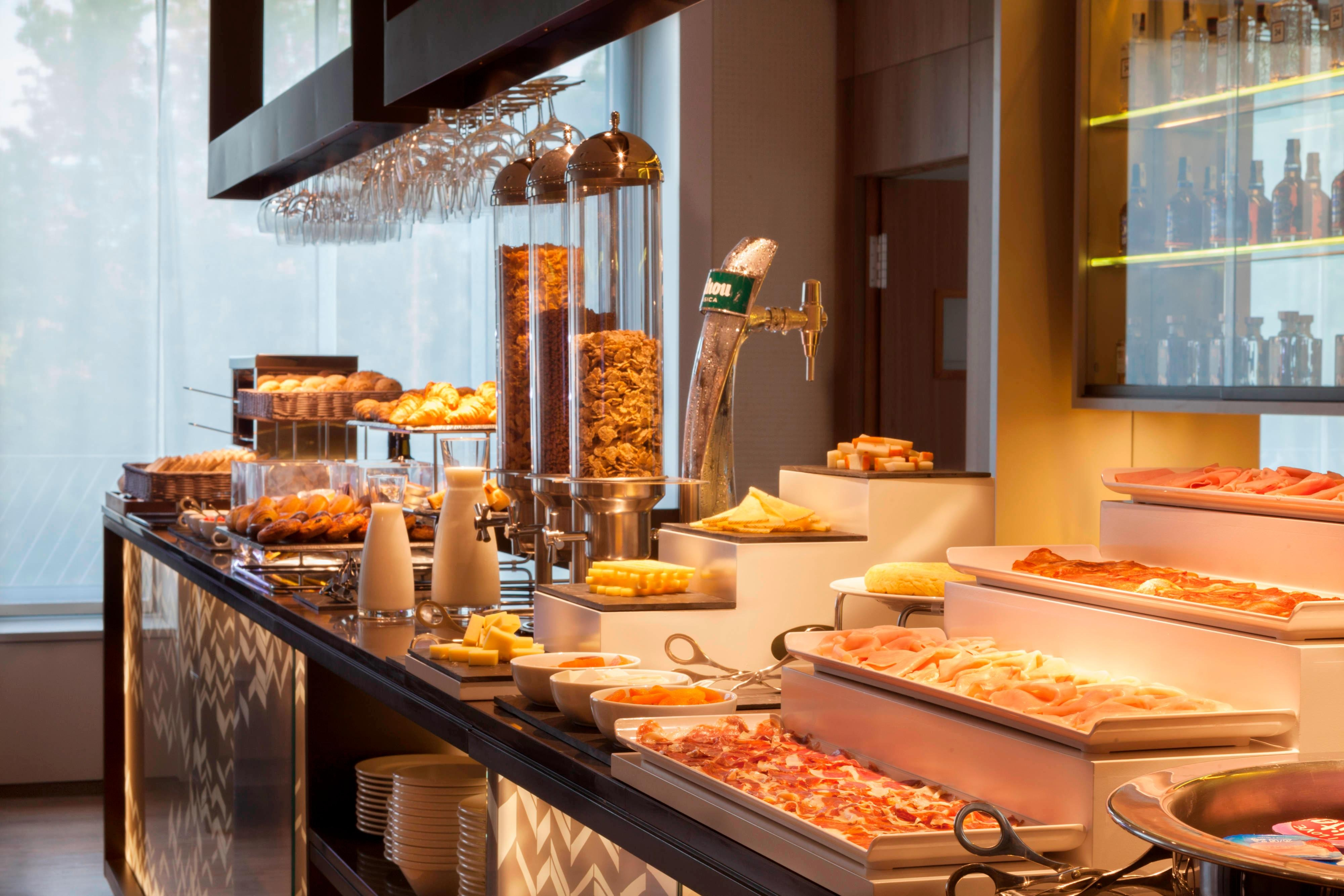 Breakfast buffet AC Diagonal I´lla