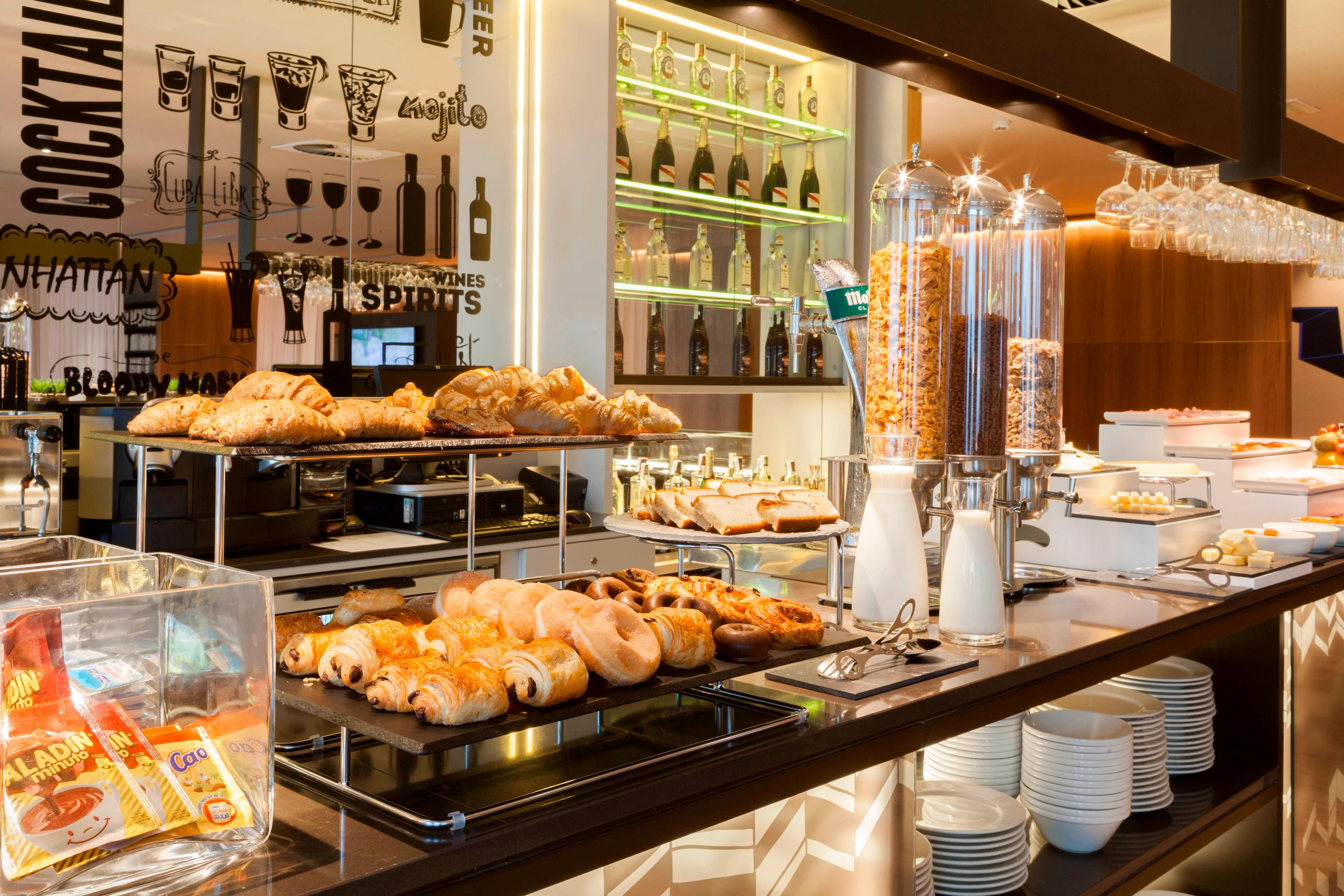 Breakfast Buffet AC Diagonal L´lla