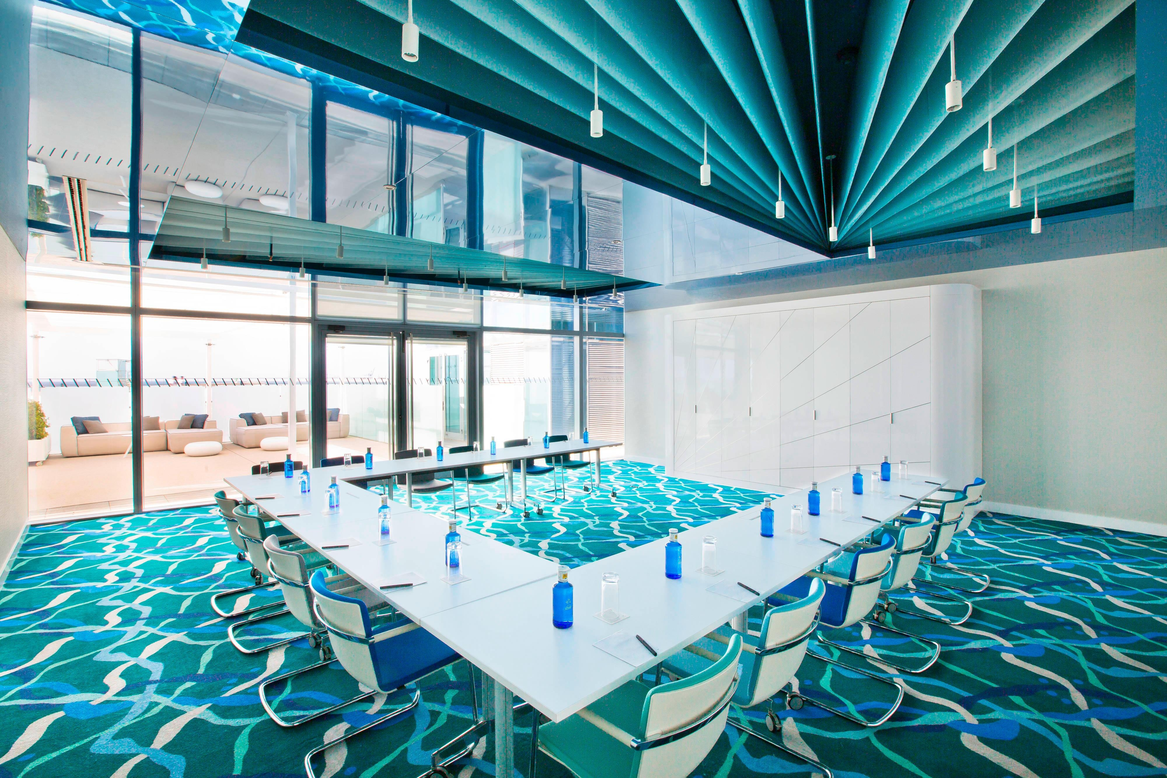 BREEZE 1 Meeting Room