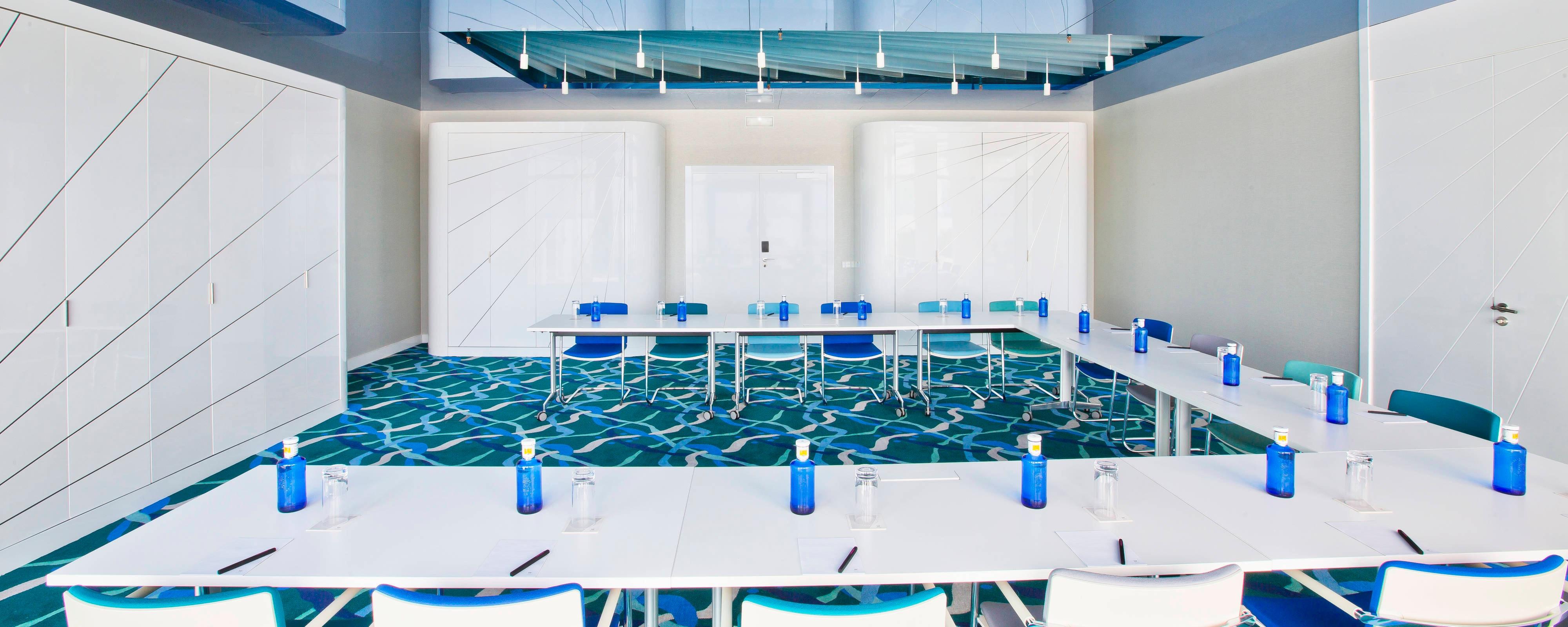 BREEZE 1 Meeting Room