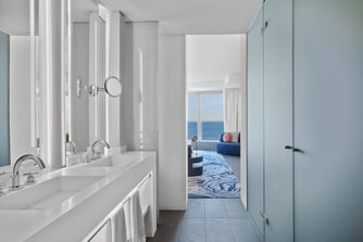 Cool Corner Suite - Bathroom