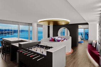 WOW Suite - Living Area